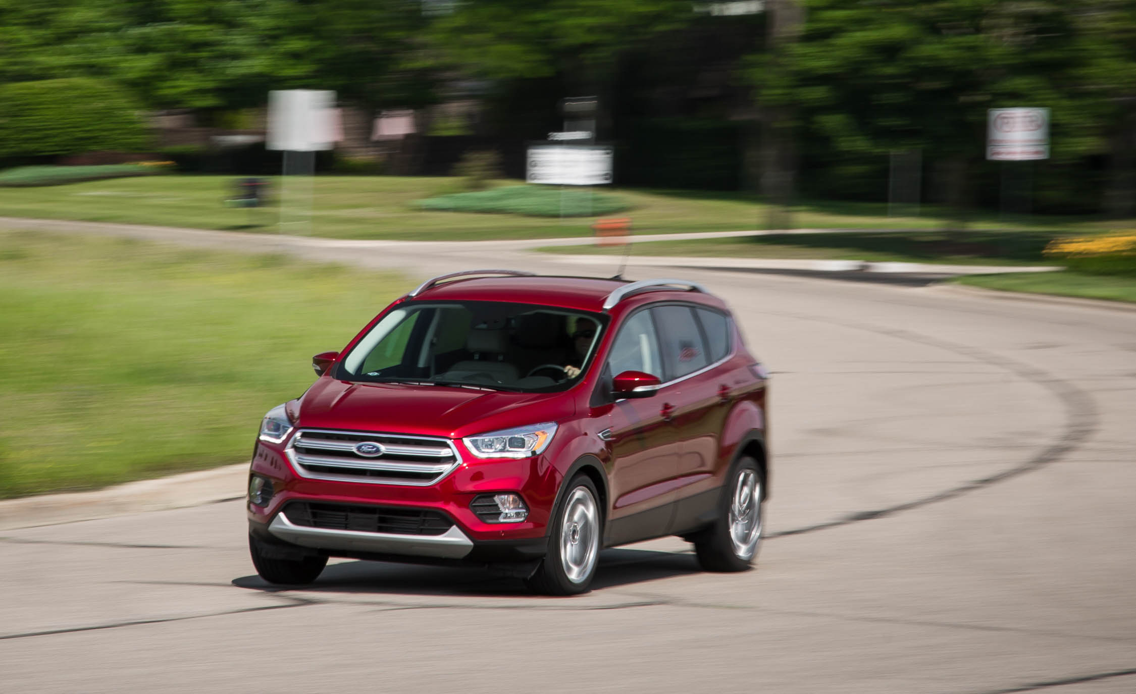 2017 Ford Escape Titanium (Photo 10 of 28)
