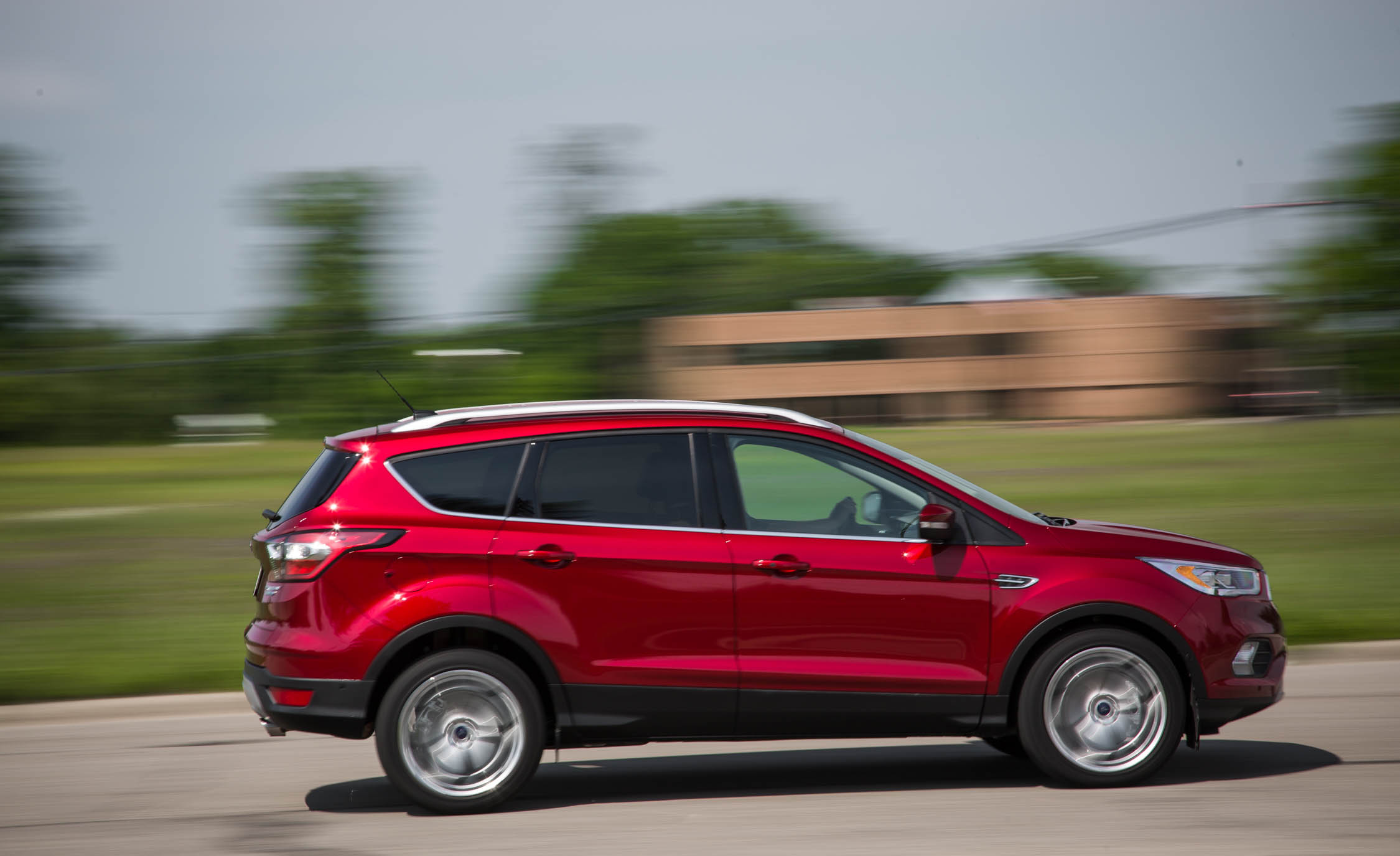 2017 Ford Escape Titanium (Photo 4 of 28)