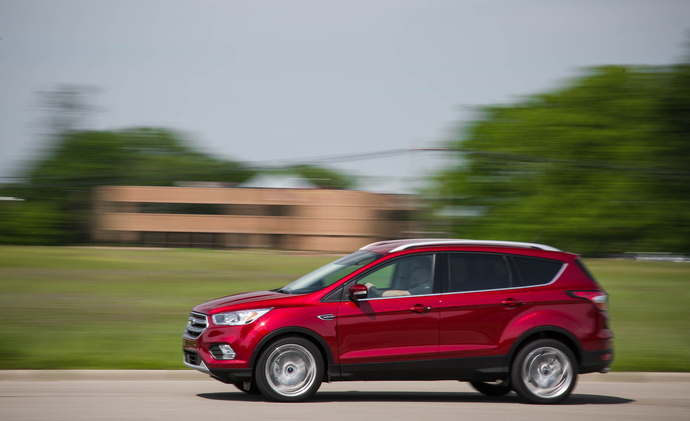 2017 Ford Escape Titanium (Photo 5 of 28)