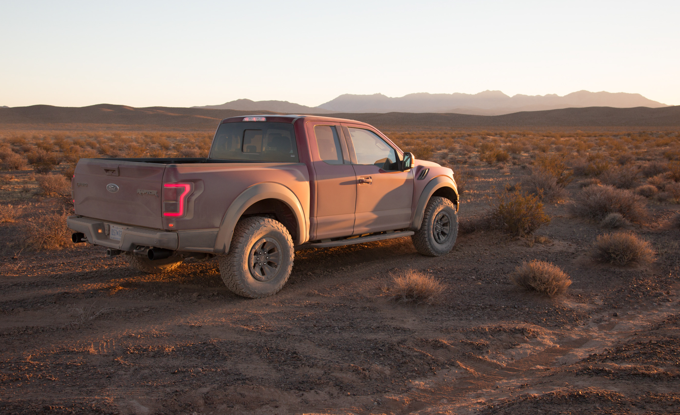2017 Ford F 150 Raptor SuperCab Exterior Side And Rear (View 46 of 47)