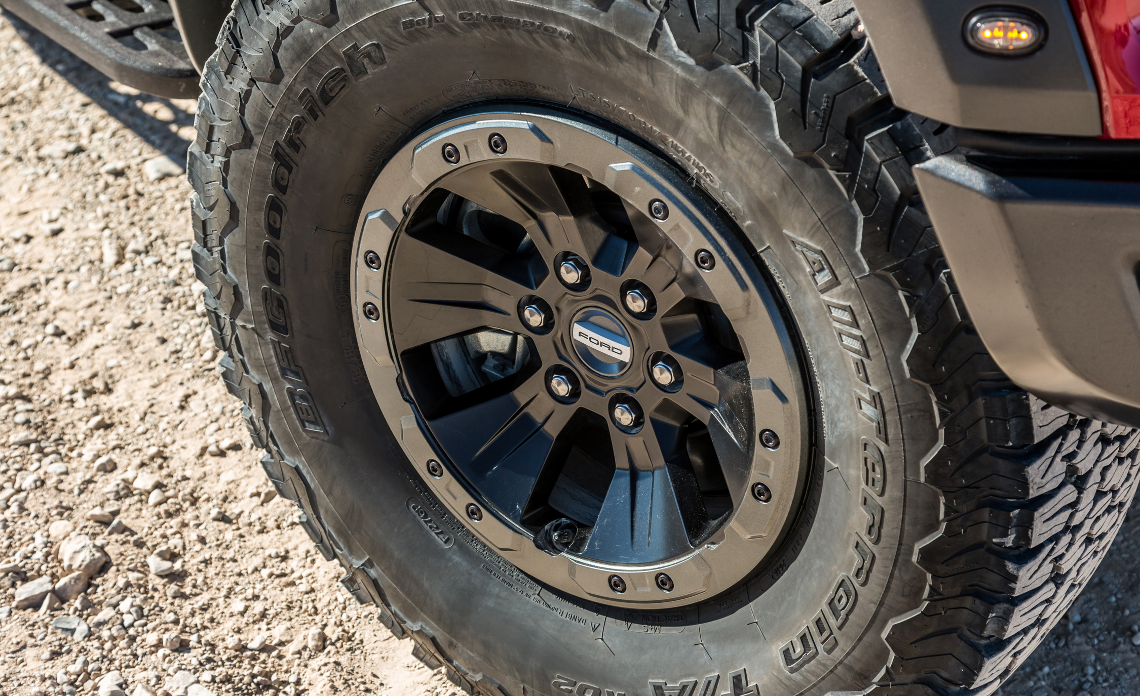 2017 Ford F 150 Raptor SuperCab Exterior View Wheel Trim (View 42 of 47)