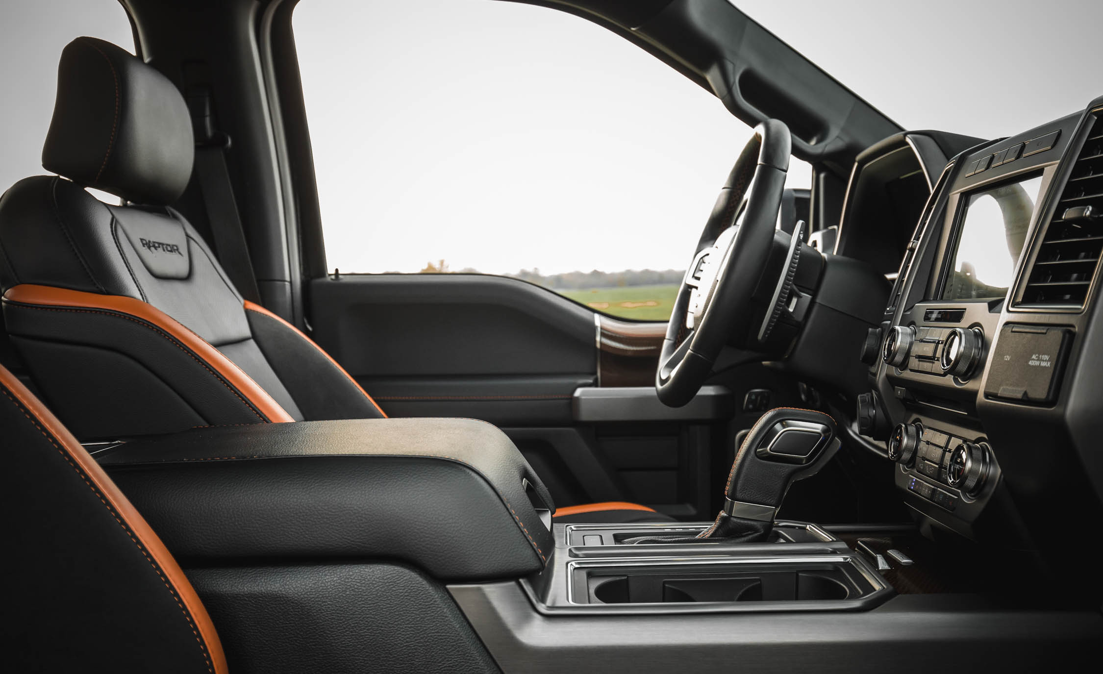 2017 Ford F 150 Raptor SuperCrew Interior Seats Driver (View 22 of 47)