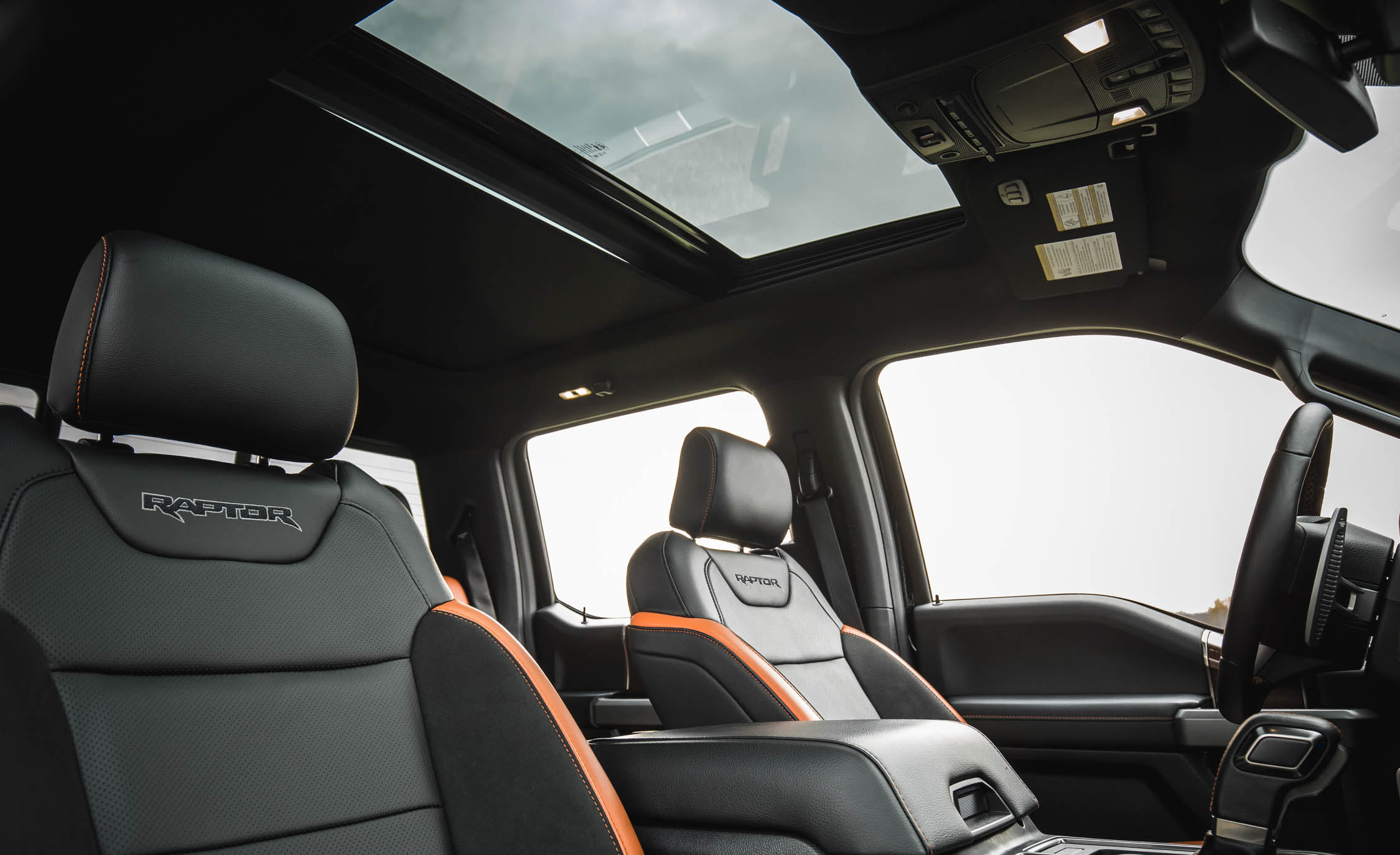 2017 Ford F 150 Raptor SuperCrew Interior Seats Sunroof (View 15 of 47)