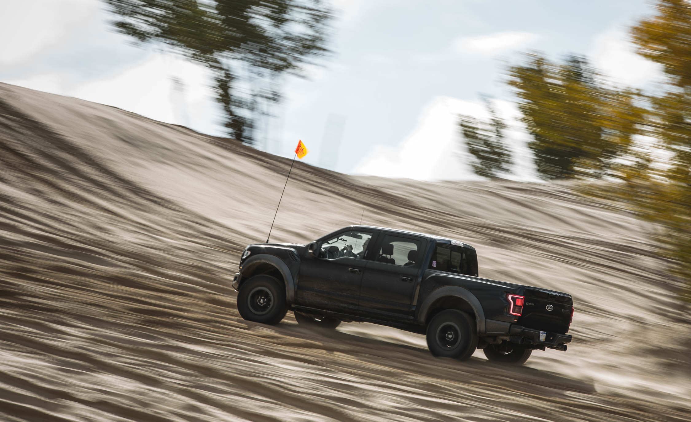 2017 Ford F 150 Raptor SuperCrew Test Drive Side And Rear View (View 1 of 47)