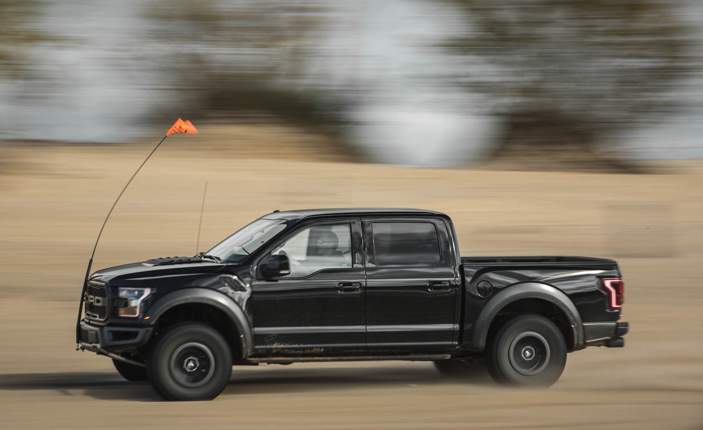 2017 Ford F 150 Raptor SuperCrew Test Drive Side View (View 2 of 47)