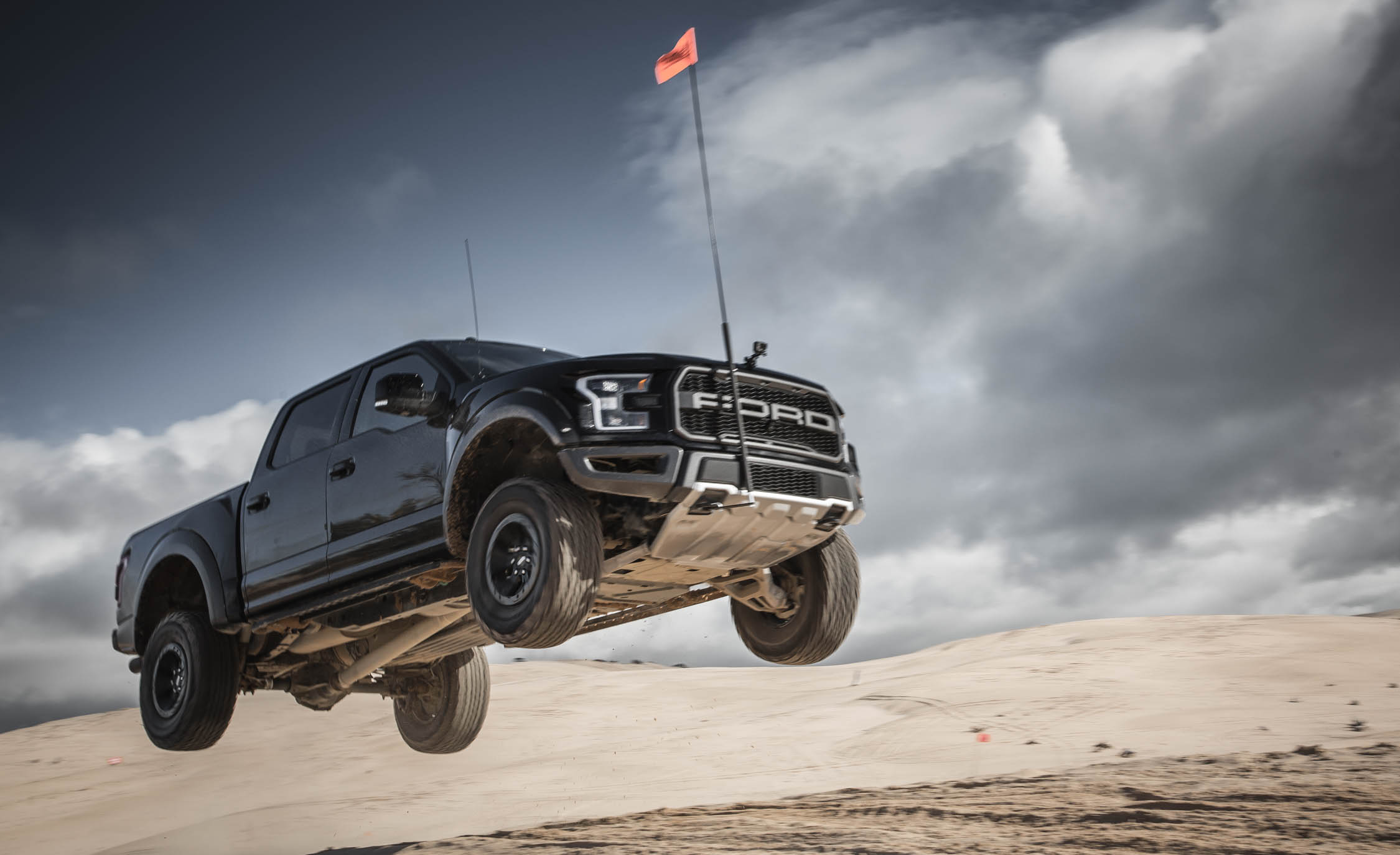2017 Ford F 150 Raptor SuperCrew (View 4 of 47)