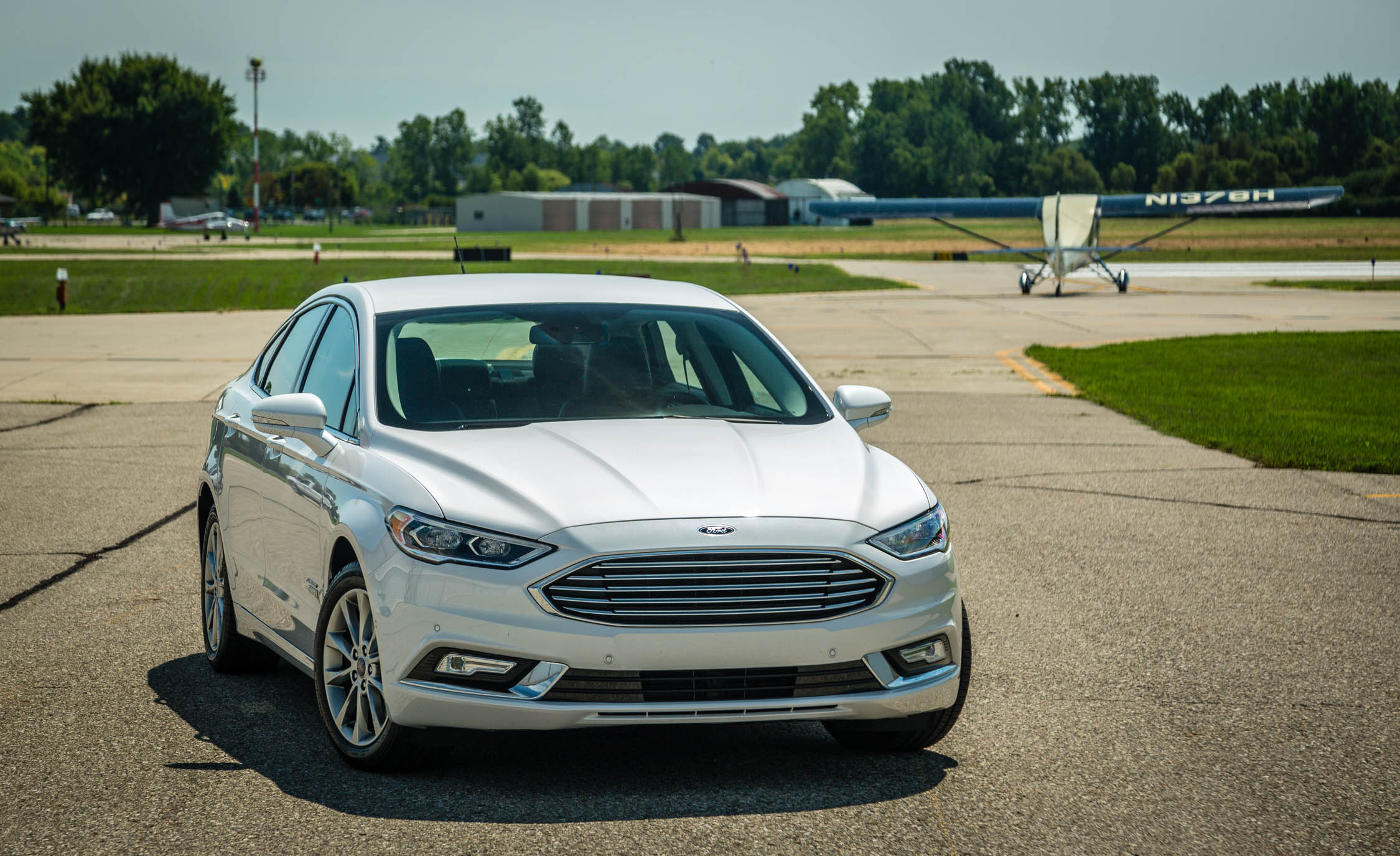 2017 Ford Fusion Energi Titanium Exterior Front (Photo 7 of 19)