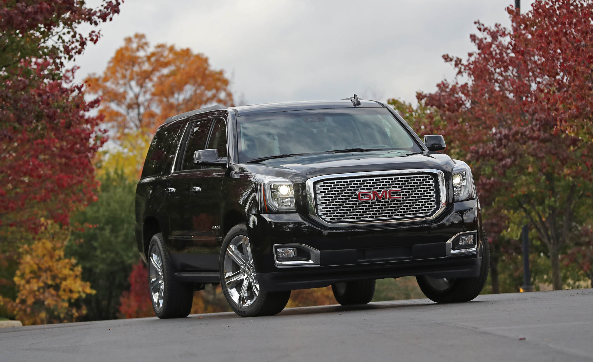2017 Gmc Yukon Xl Denali Black (Photo 1 of 26)