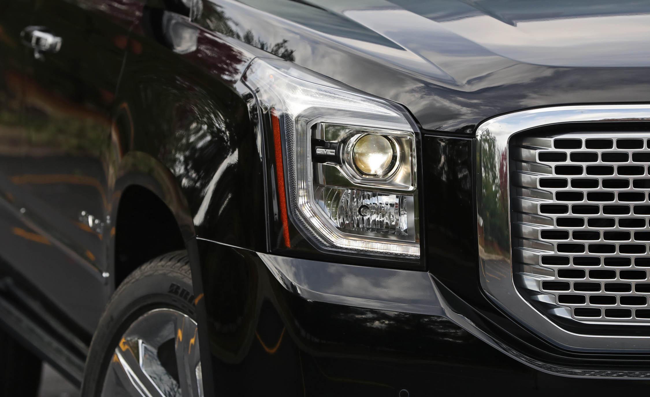 2017 Gmc Yukon Xl Denali Exterior View Headlight (View 18 of 26)