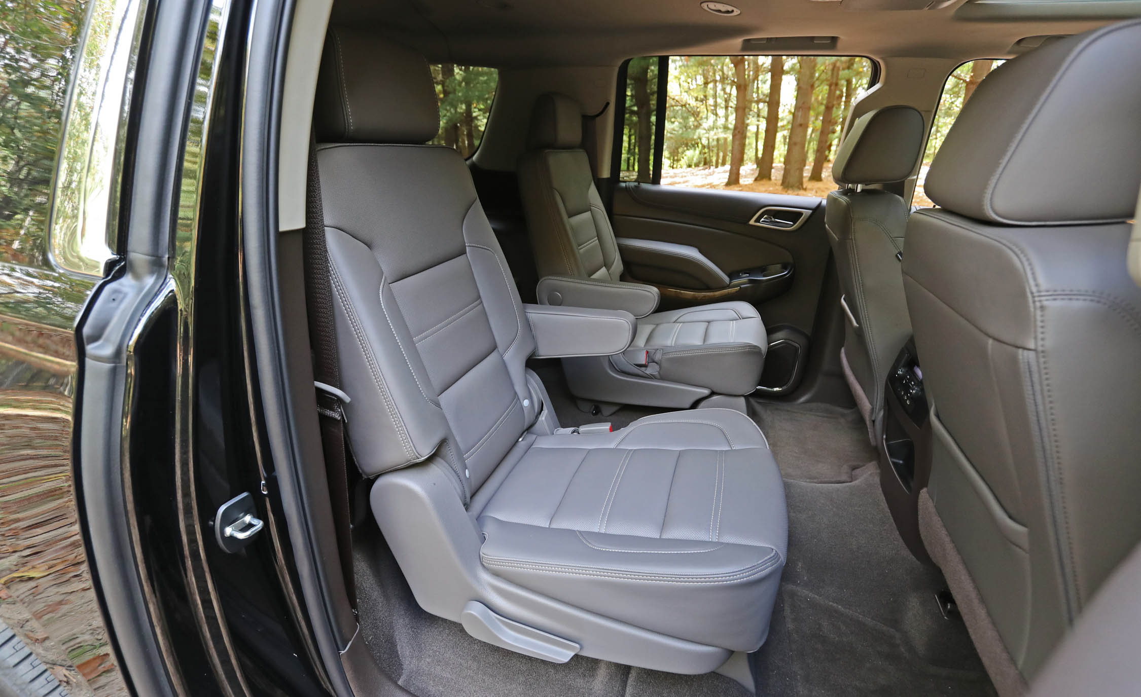 2017 Gmc Yukon Xl Denali Interior Seats Rear Back 2nd Passengers (Photo 9  Of 26