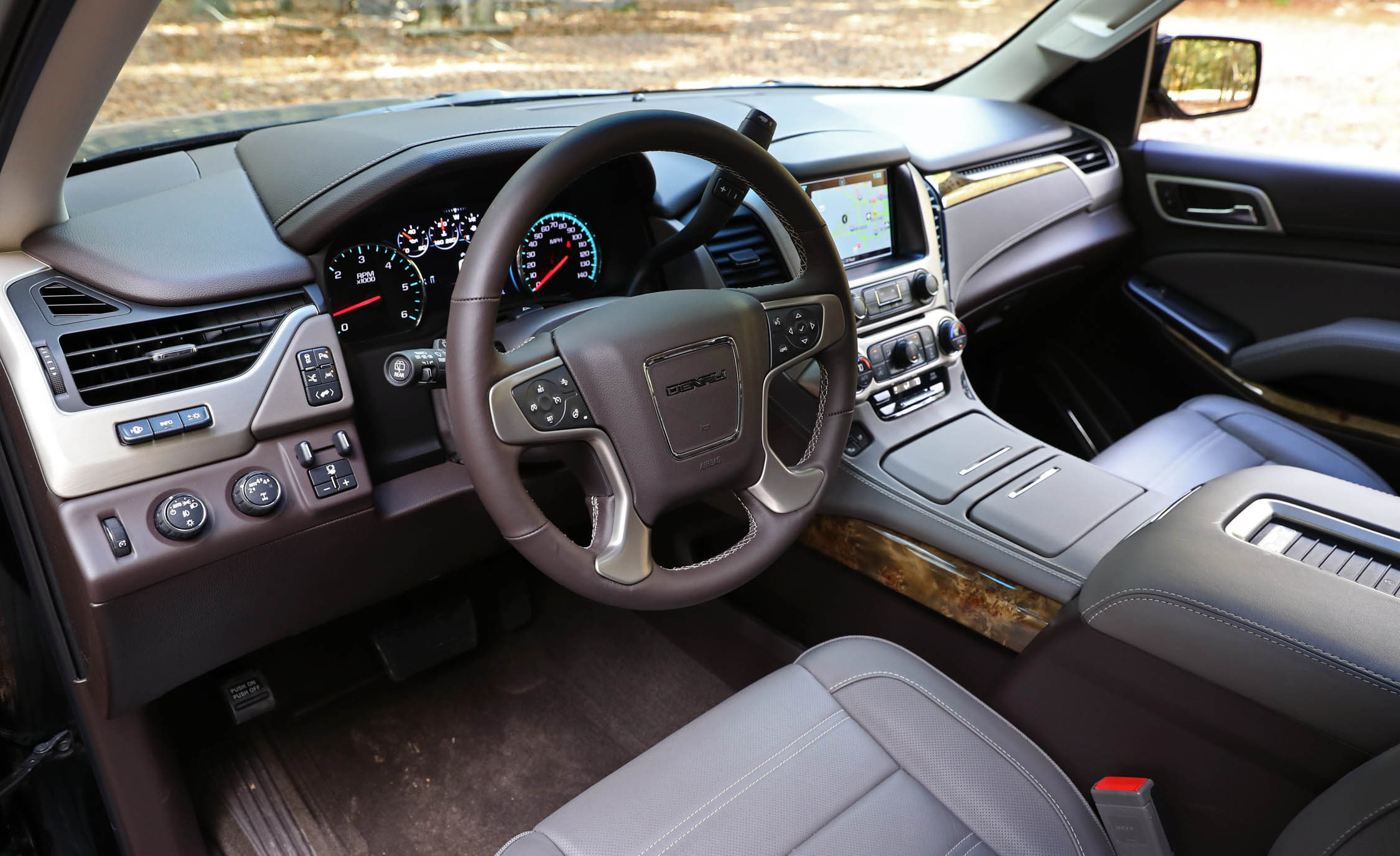 2017 Gmc Yukon Xl Denali Interior View Cockpit Steering (Photo 22 of 26)