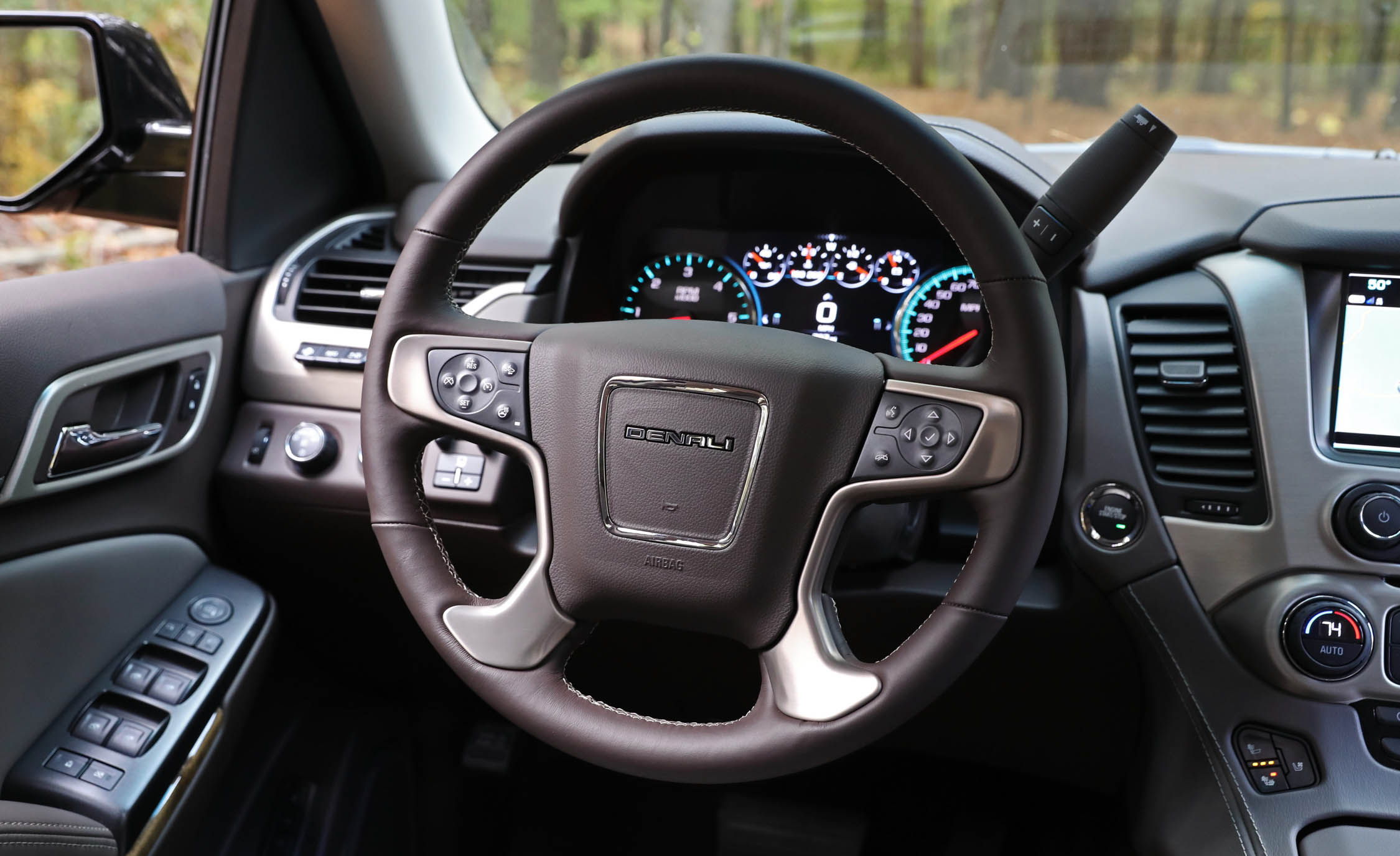 2017 Gmc Yukon Xl Denali Interior View Driver Steering Wheel (Photo 23 of 26)