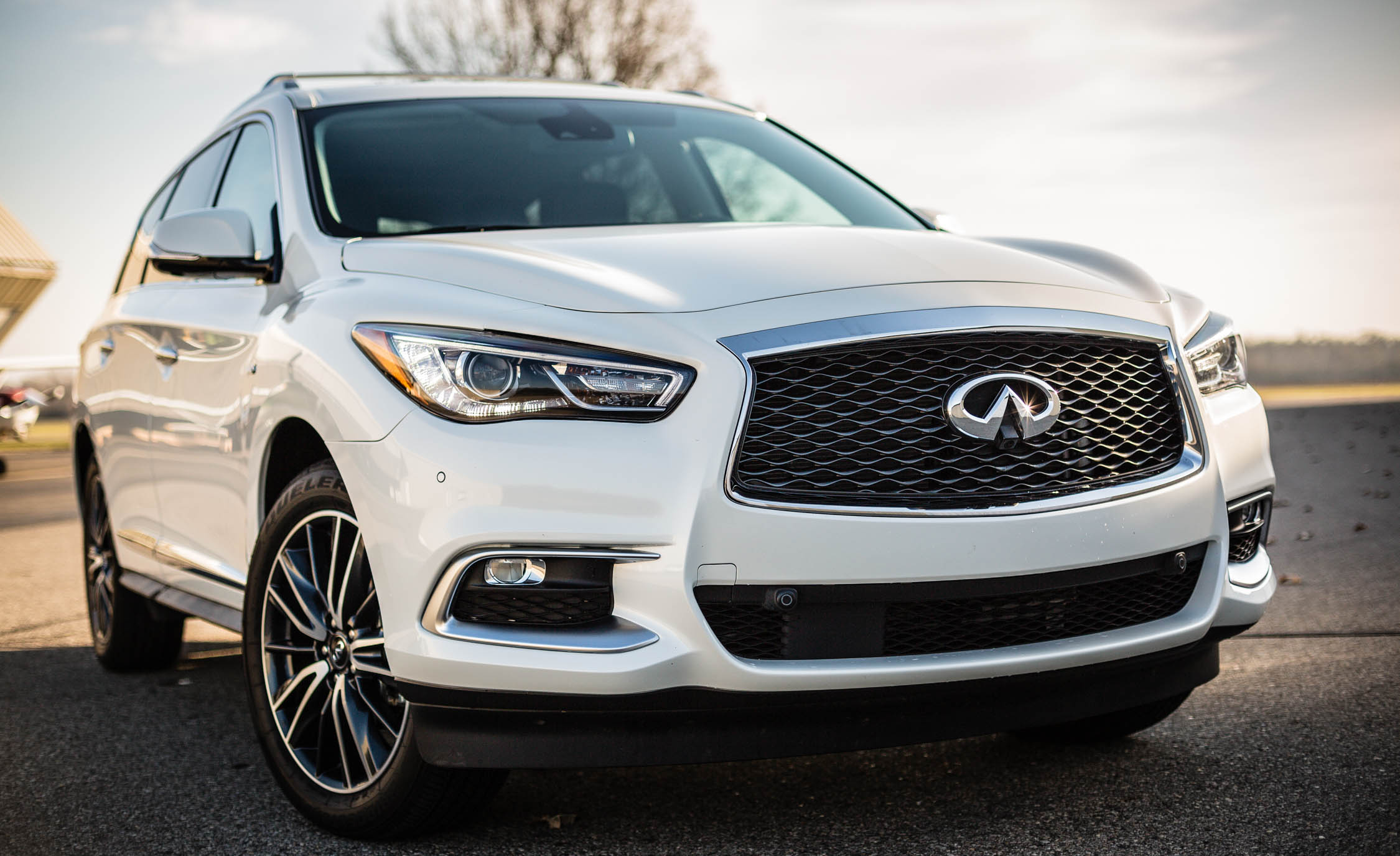2017 Infiniti Qx60 White Exterior Front (View 10 of 12)