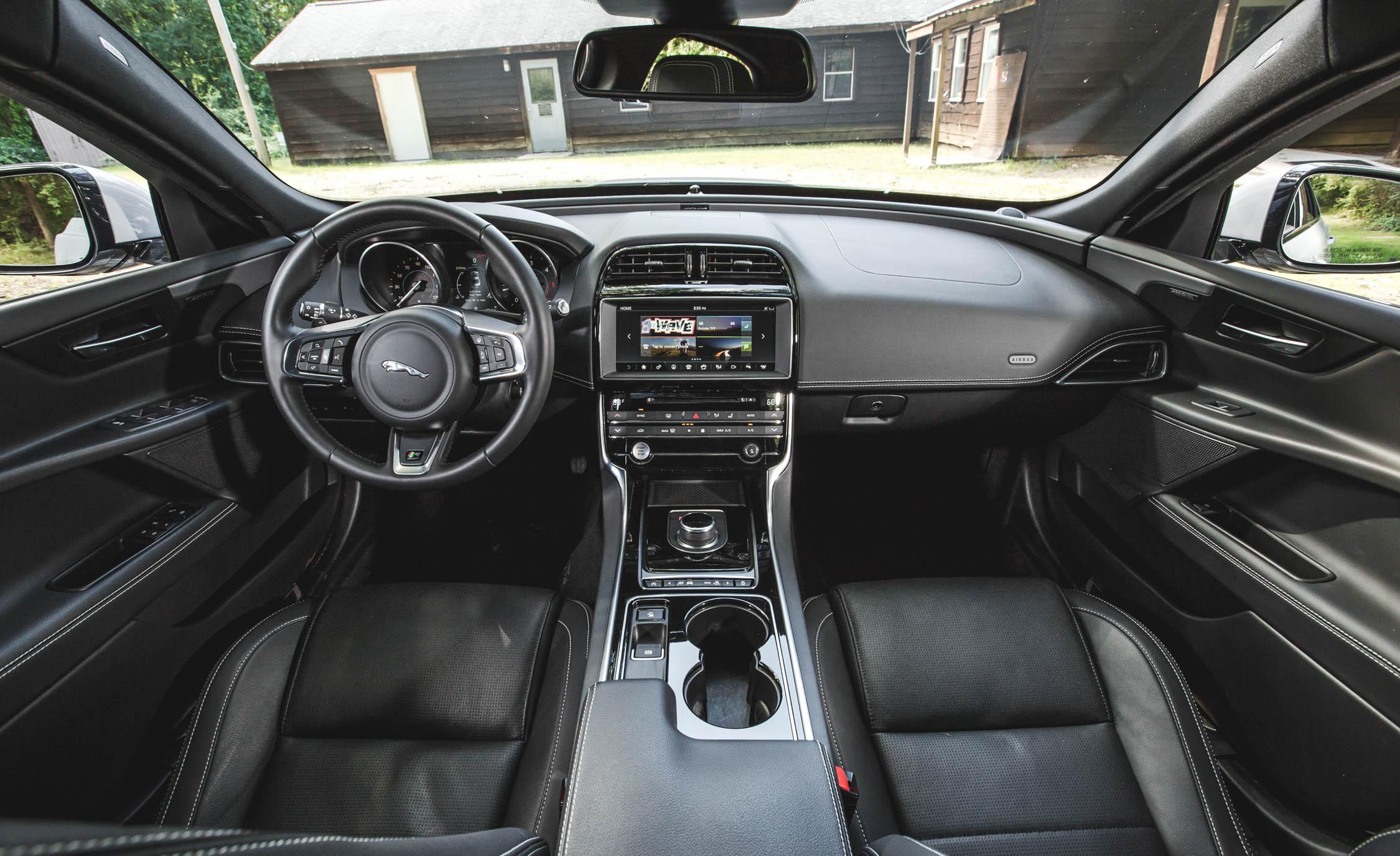 2017 Jaguar Xe Interior (View 15 of 32)