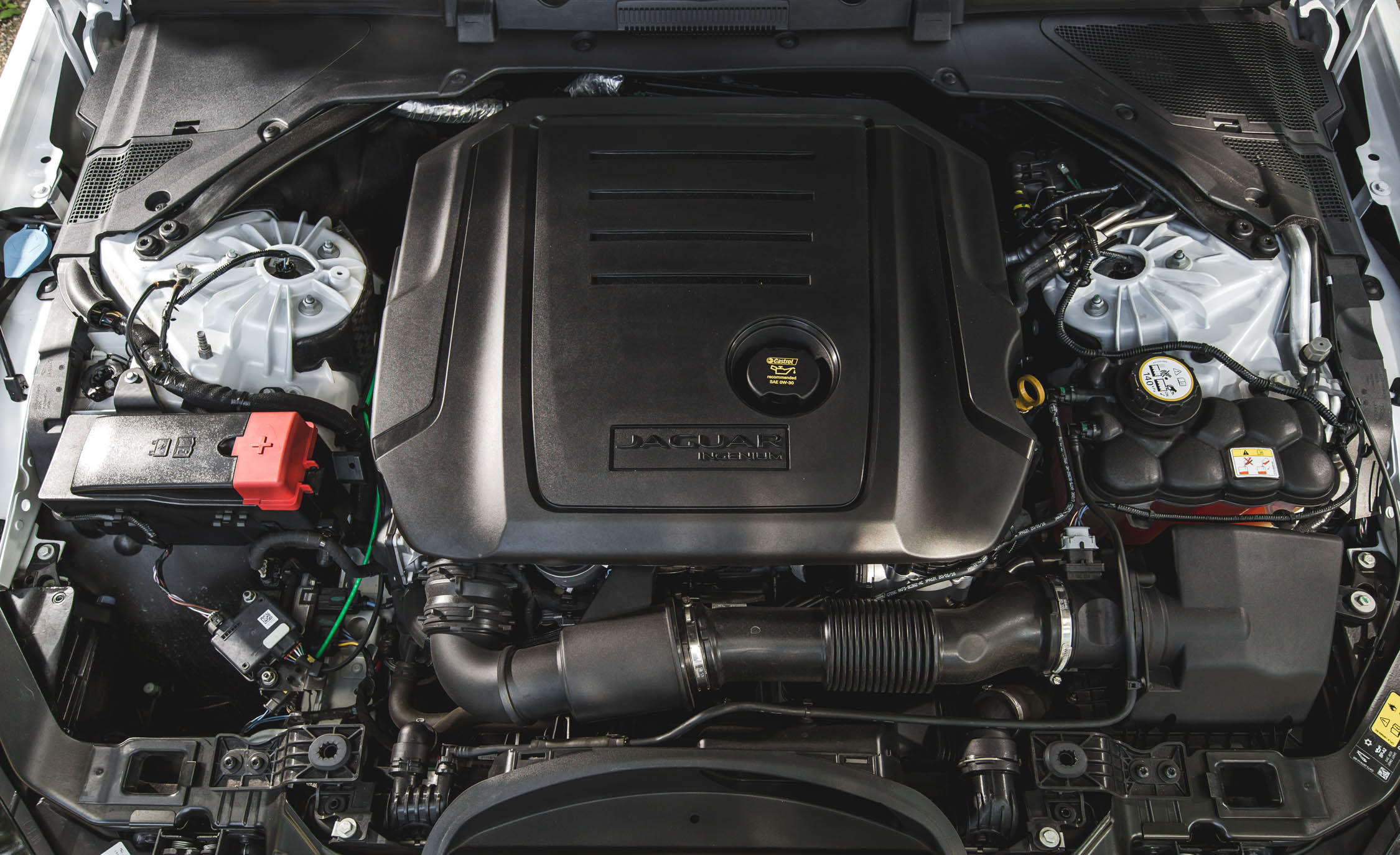 2017 Jaguar Xe View Engine (Photo 22 of 32)