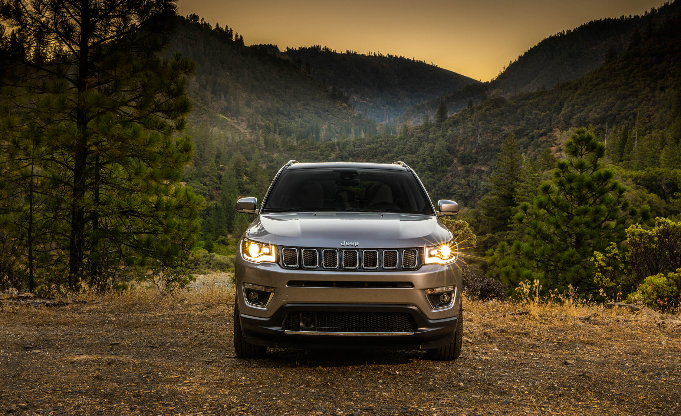 2017 Jeep Compass Limited 4× (Photo 16 of 49)