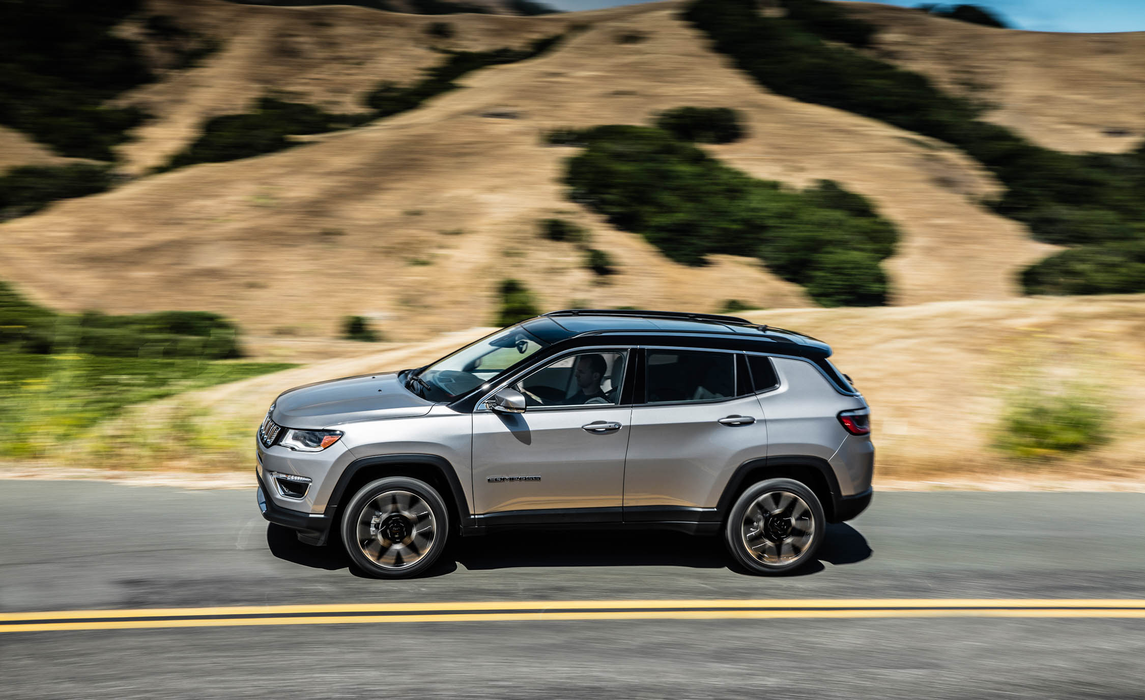2017 Jeep Compass Limited 4× (Photo 23 of 49)