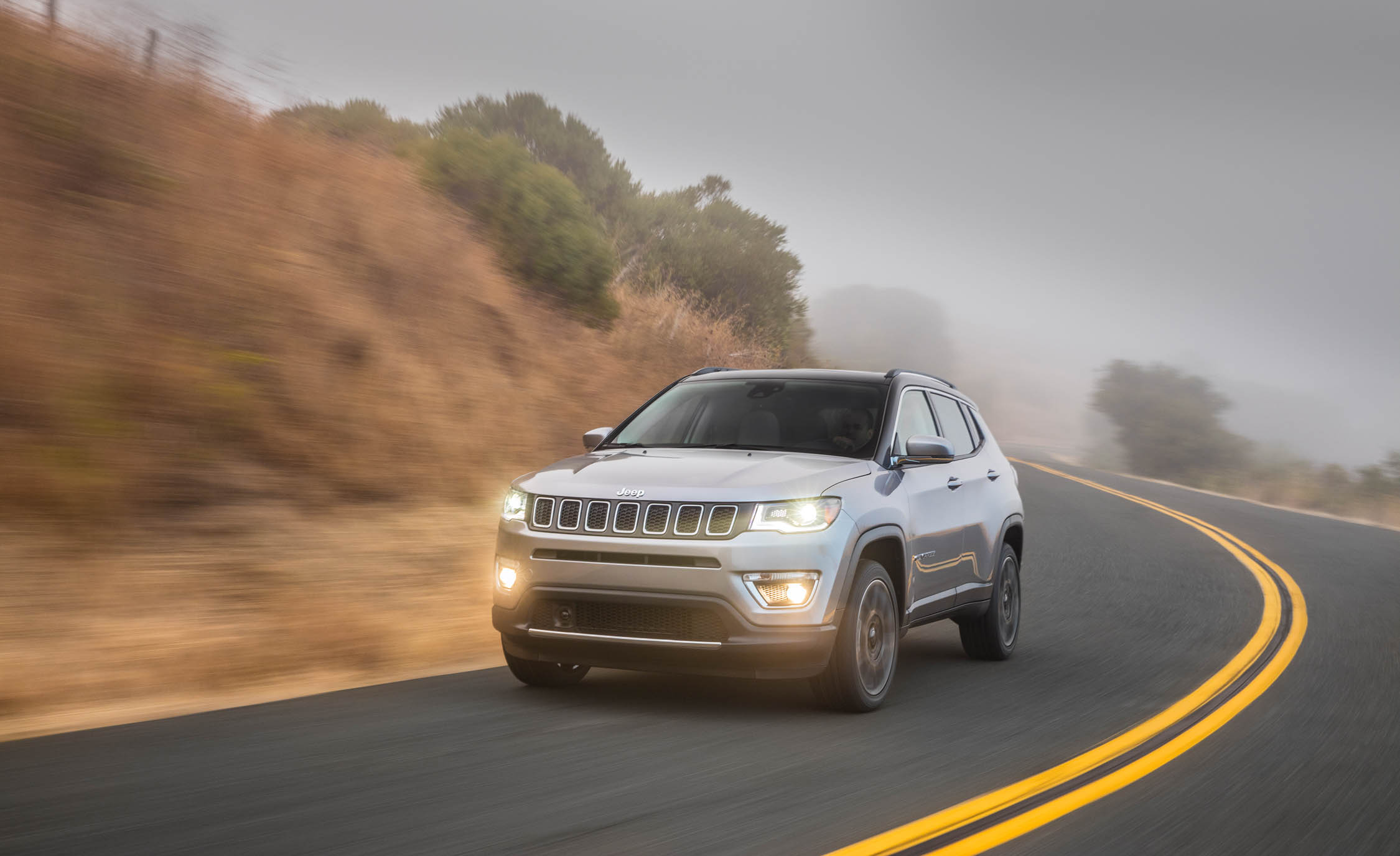 2017 Jeep Compass Limited 4× (Photo 18 of 49)