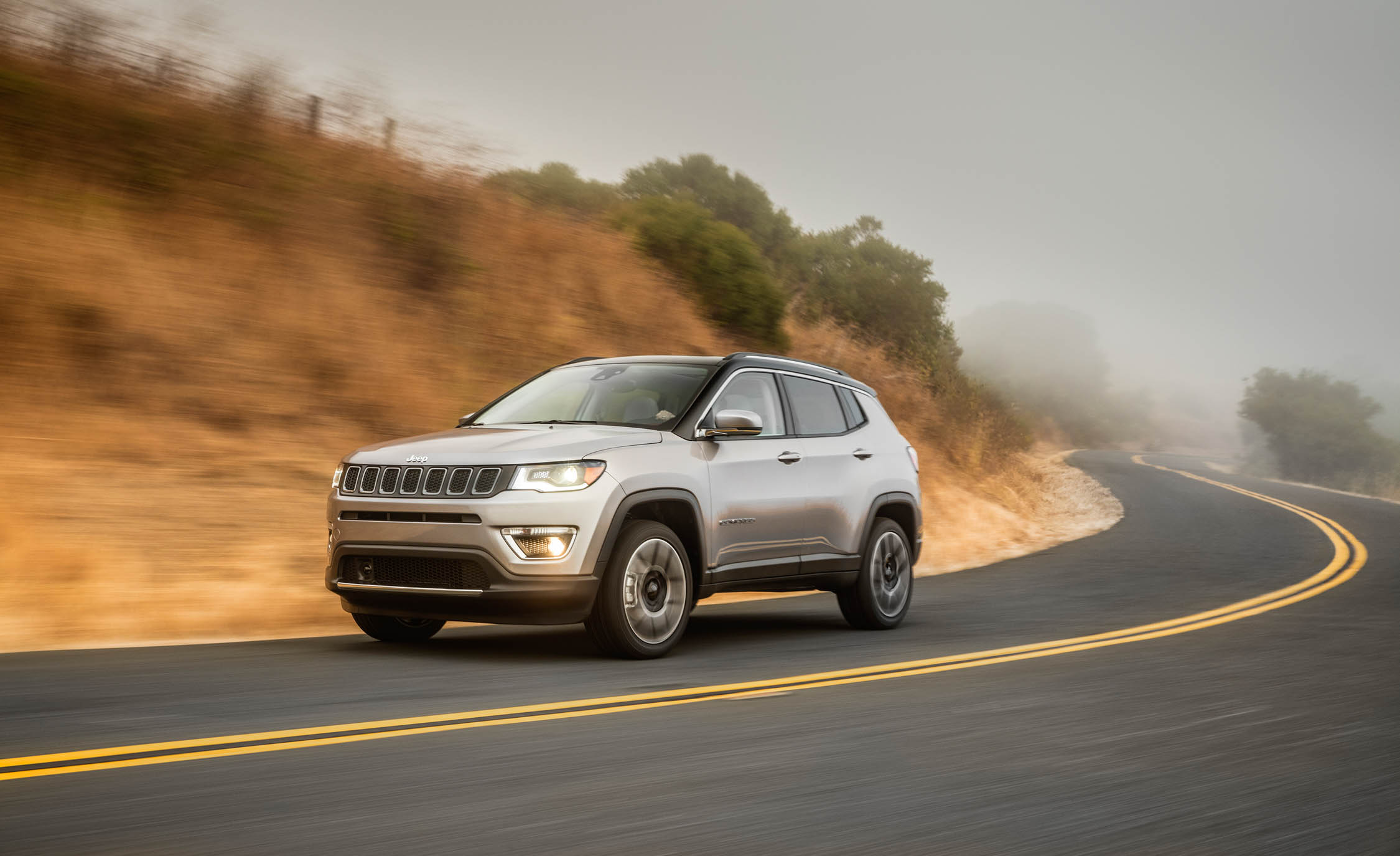 2017 Jeep Compass Limited 4× (Photo 28 of 49)