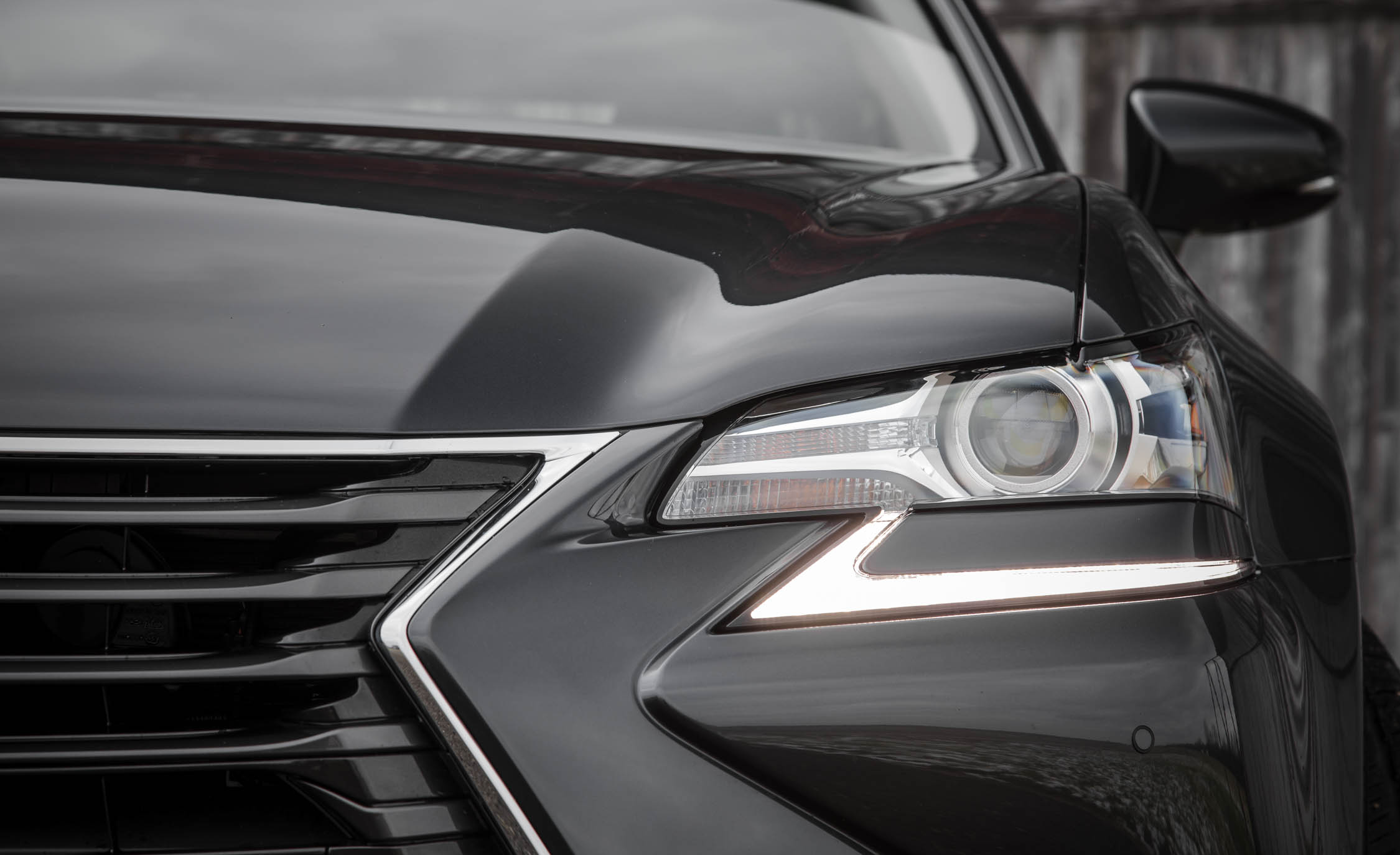 2017 Lexus GS200t Exterior View Headlight (Photo 9 of 26)