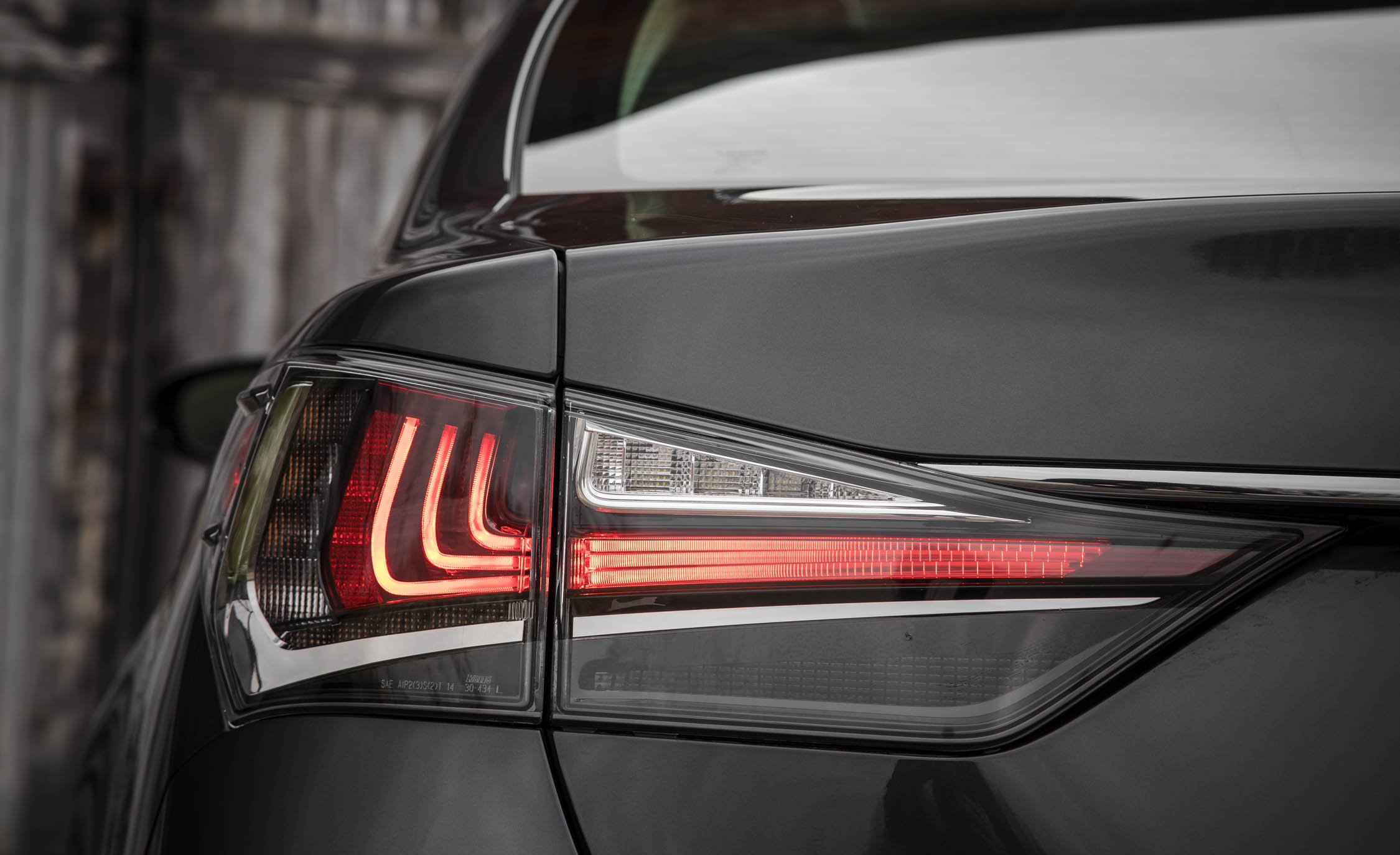 2017 Lexus GS200t Exterior View Taillight (Photo 12 of 26)