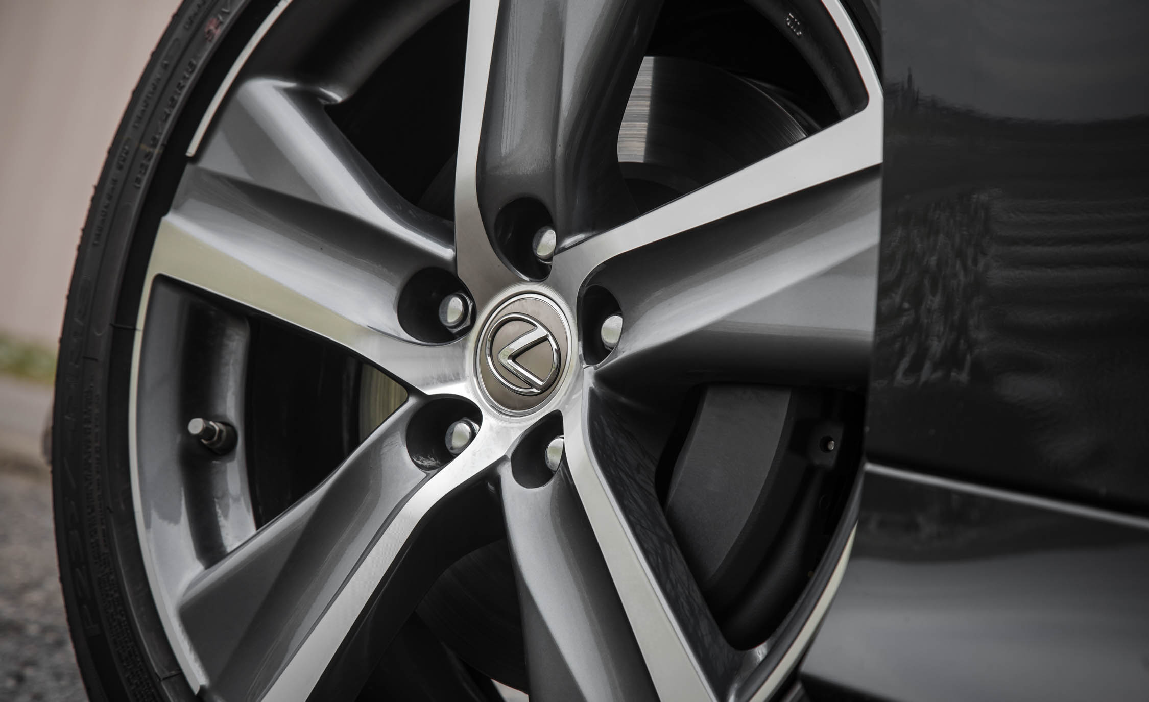 2017 Lexus GS200t Exterior View Wheel Trim (Photo 14 of 26)