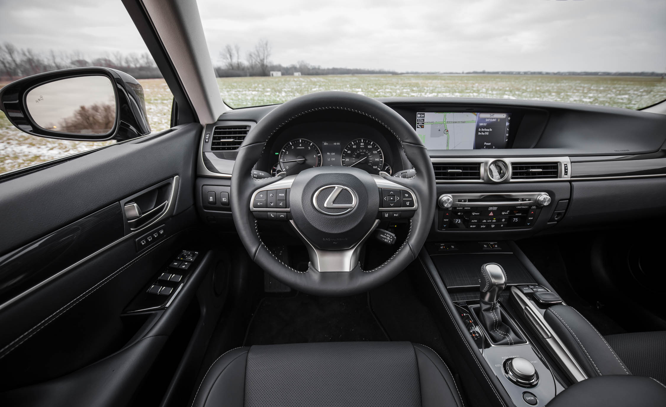 2017 Lexus GS200t Interior Cockpit Steering (Photo 17 of 26)