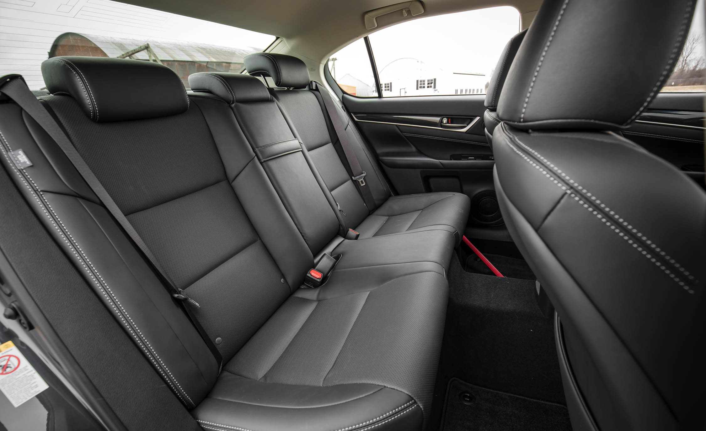 2017 Lexus GS200t Interior Seats Rear (Photo 21 of 26)