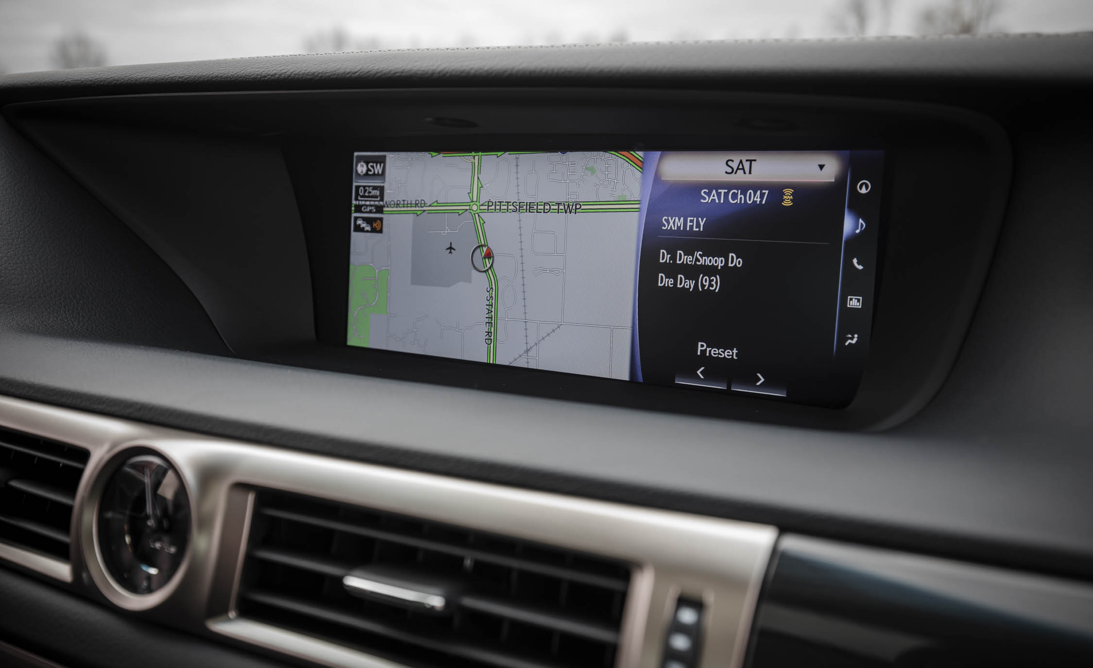 2017 Lexus GS200t Interior View Headunit Screen (Photo 24 of 26)