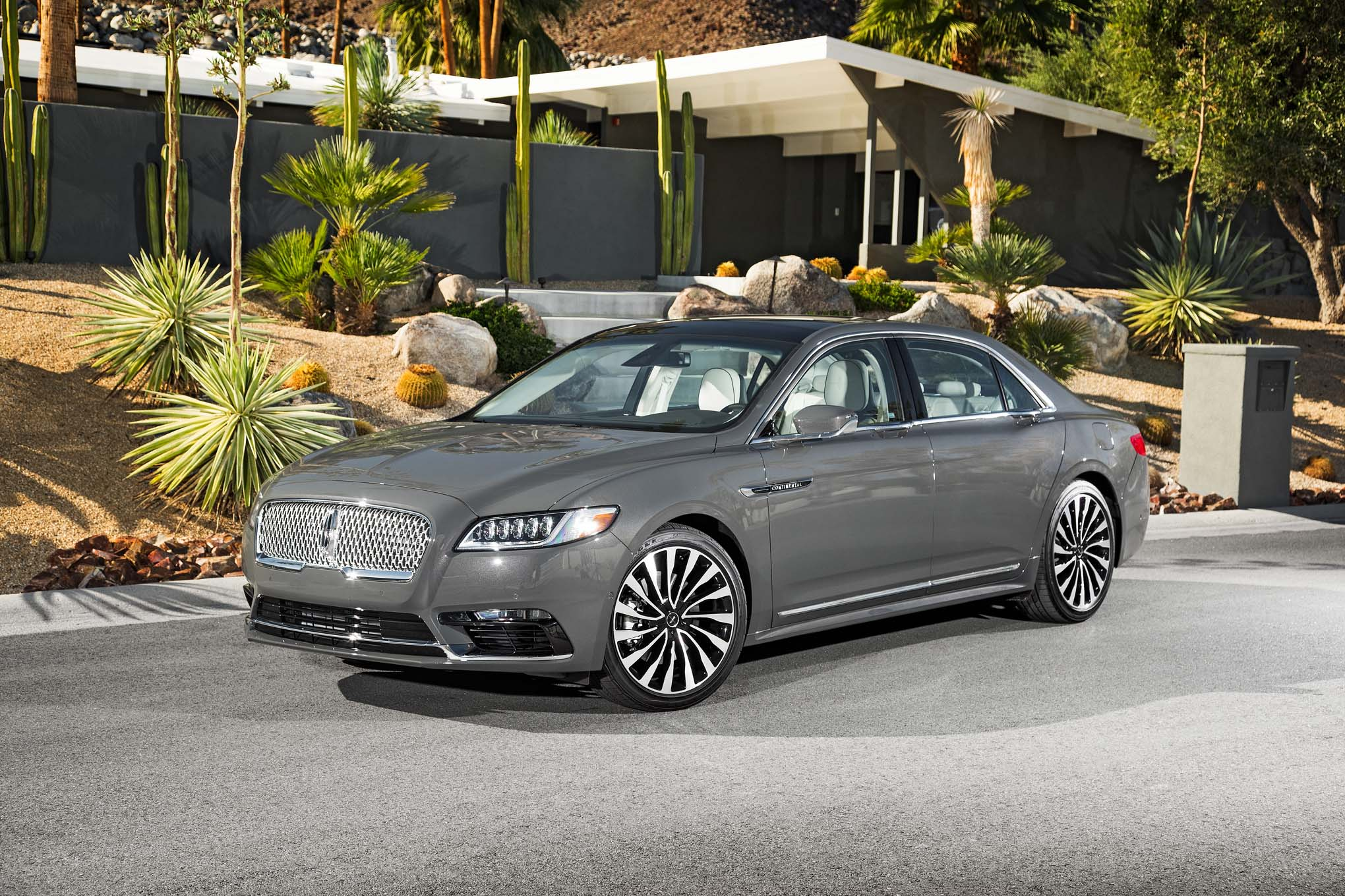 2017 Lincoln Continental Exterior (Photo 2 of 41)