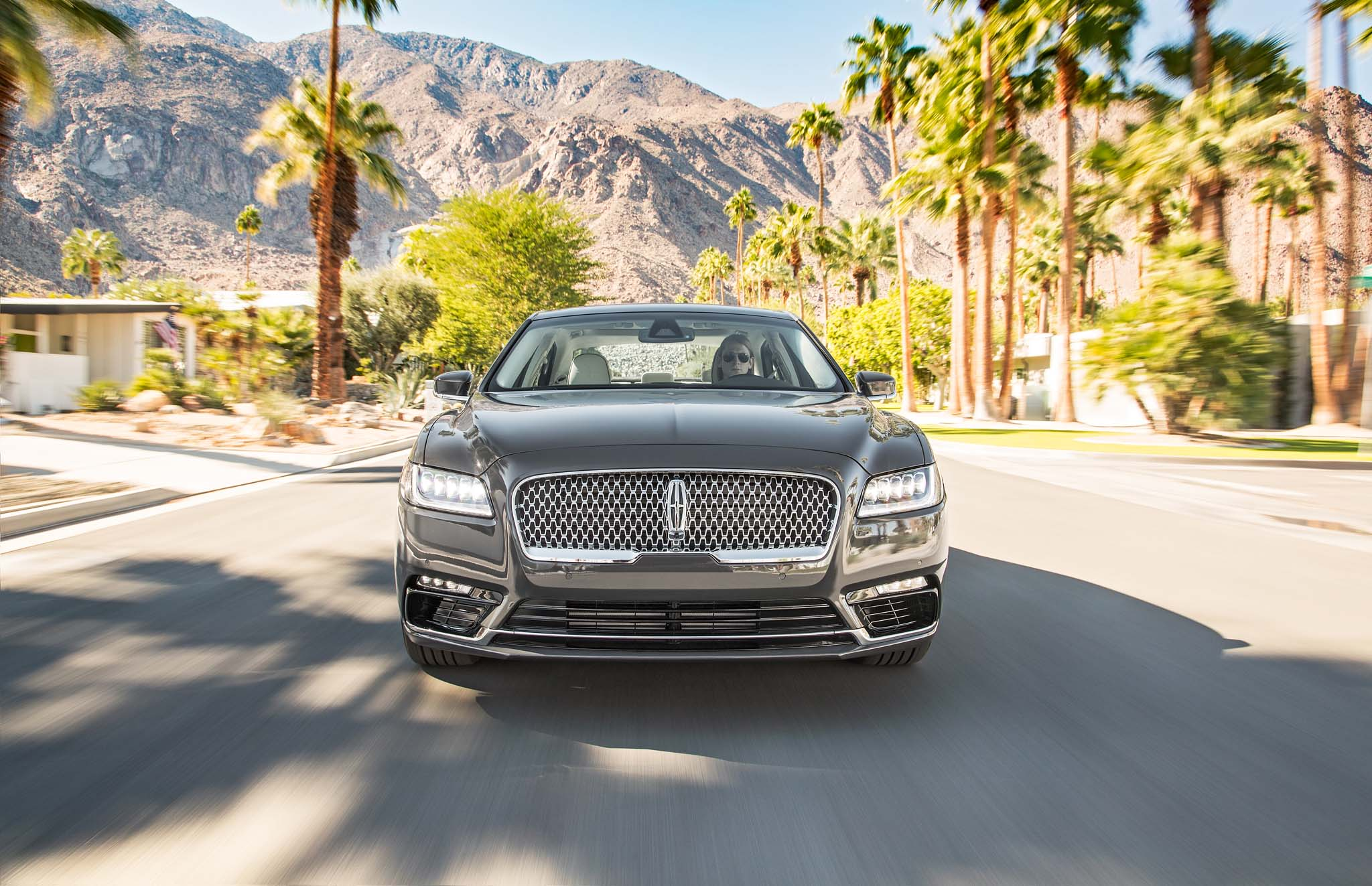 2017 Lincoln Continental Test Drive Front View (Photo 36 of 41)