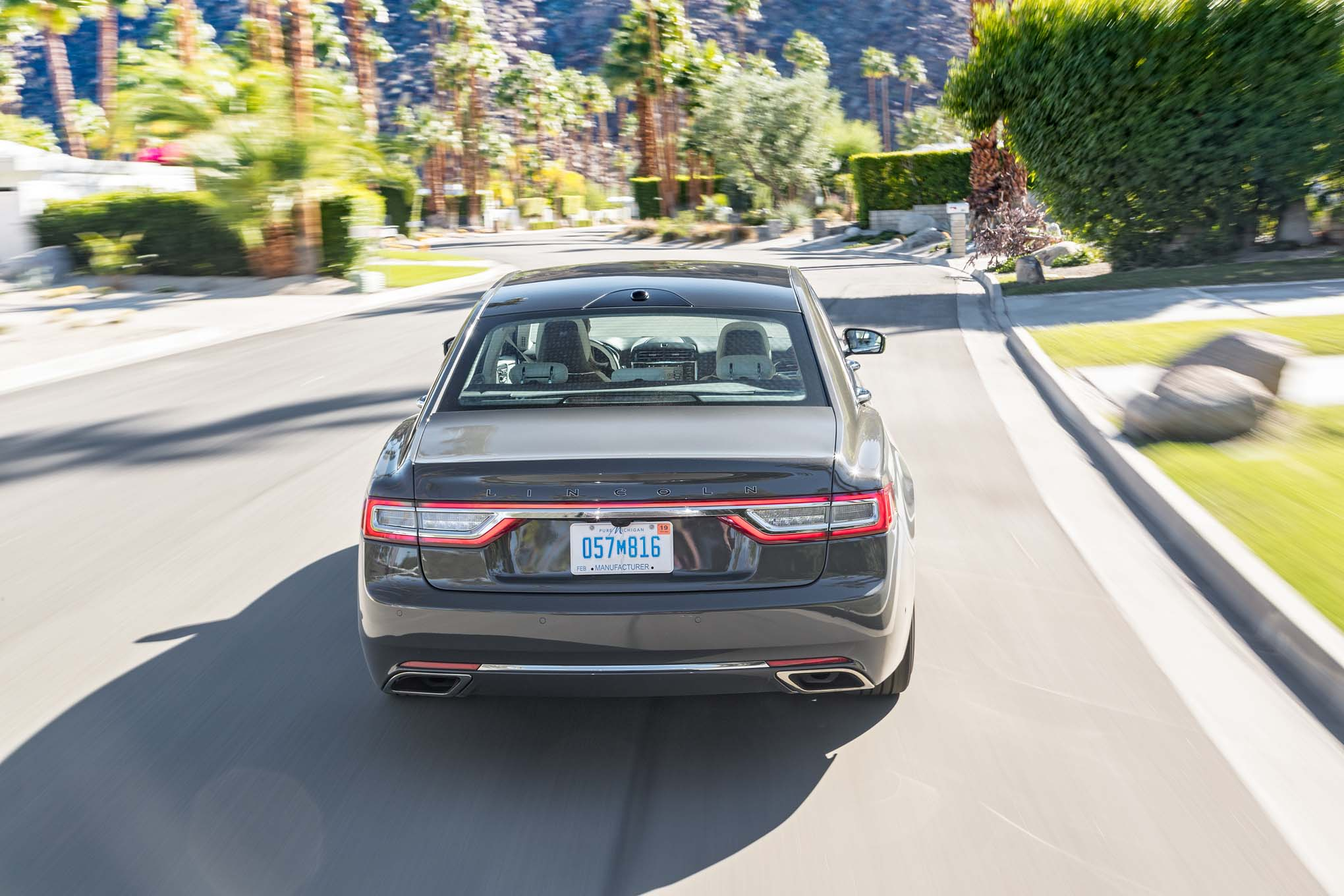 2017 Lincoln Continental Test Drive Rear View (Photo 38 of 41)