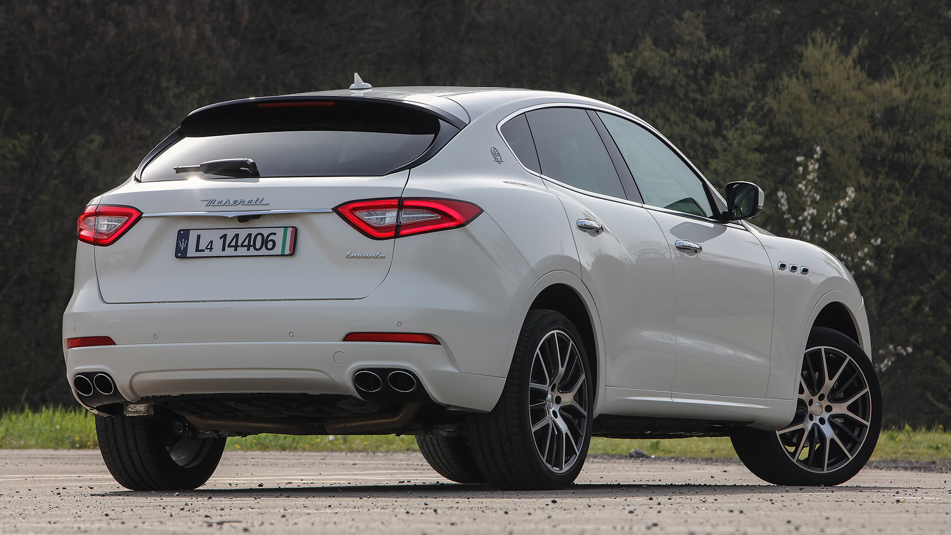2017 Maserati Levante (Photo 26 of 37)