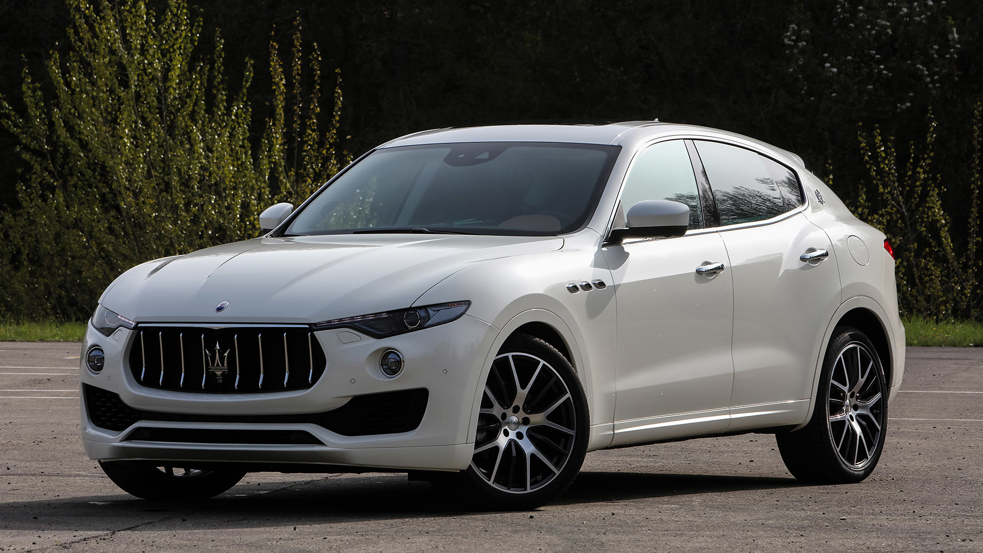 2017 Maserati Levante (Photo 25 of 37)