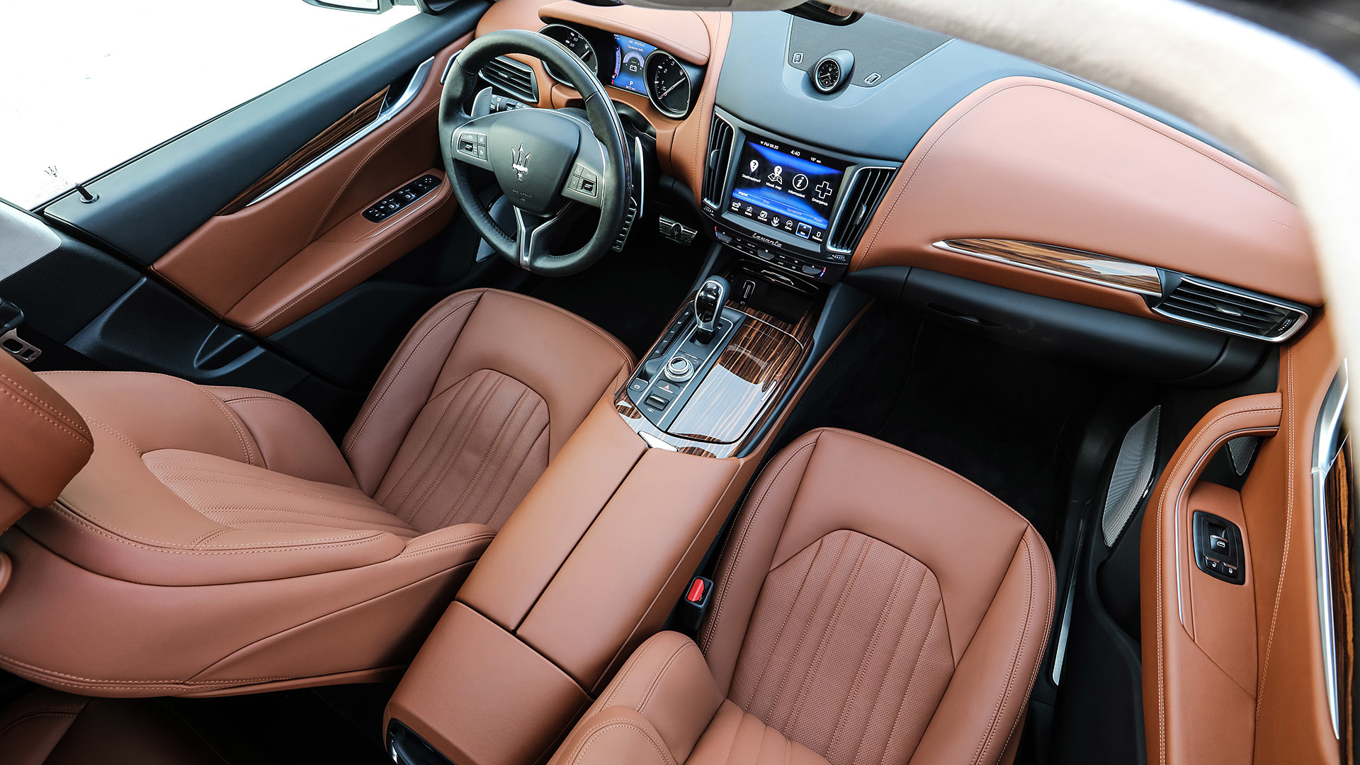 2017 Maserati Levante Interior (Photo 32 of 37)
