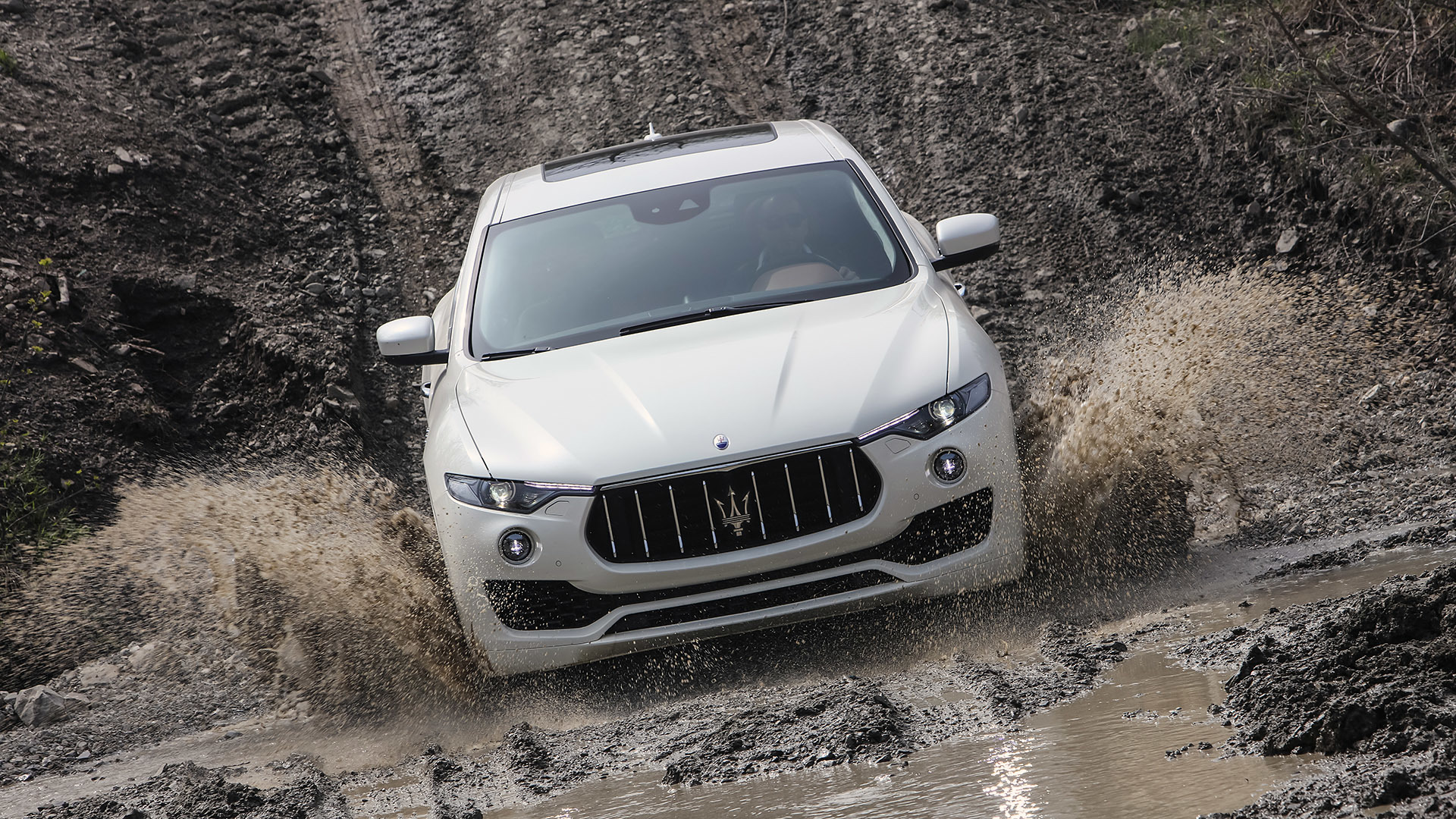 2017 Maserati Levante (Photo 21 of 37)