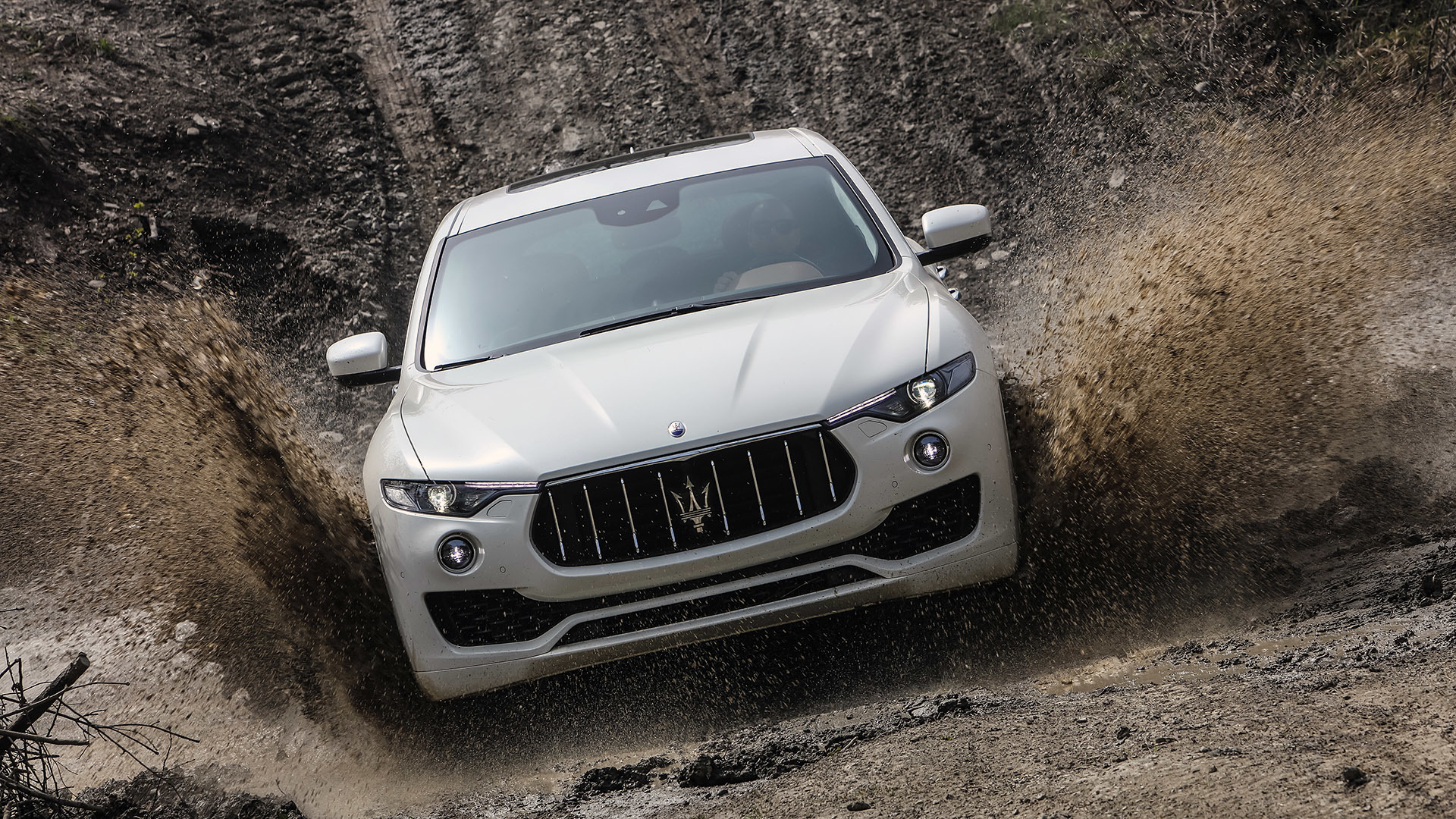 2017 Maserati Levante (Photo 22 of 37)