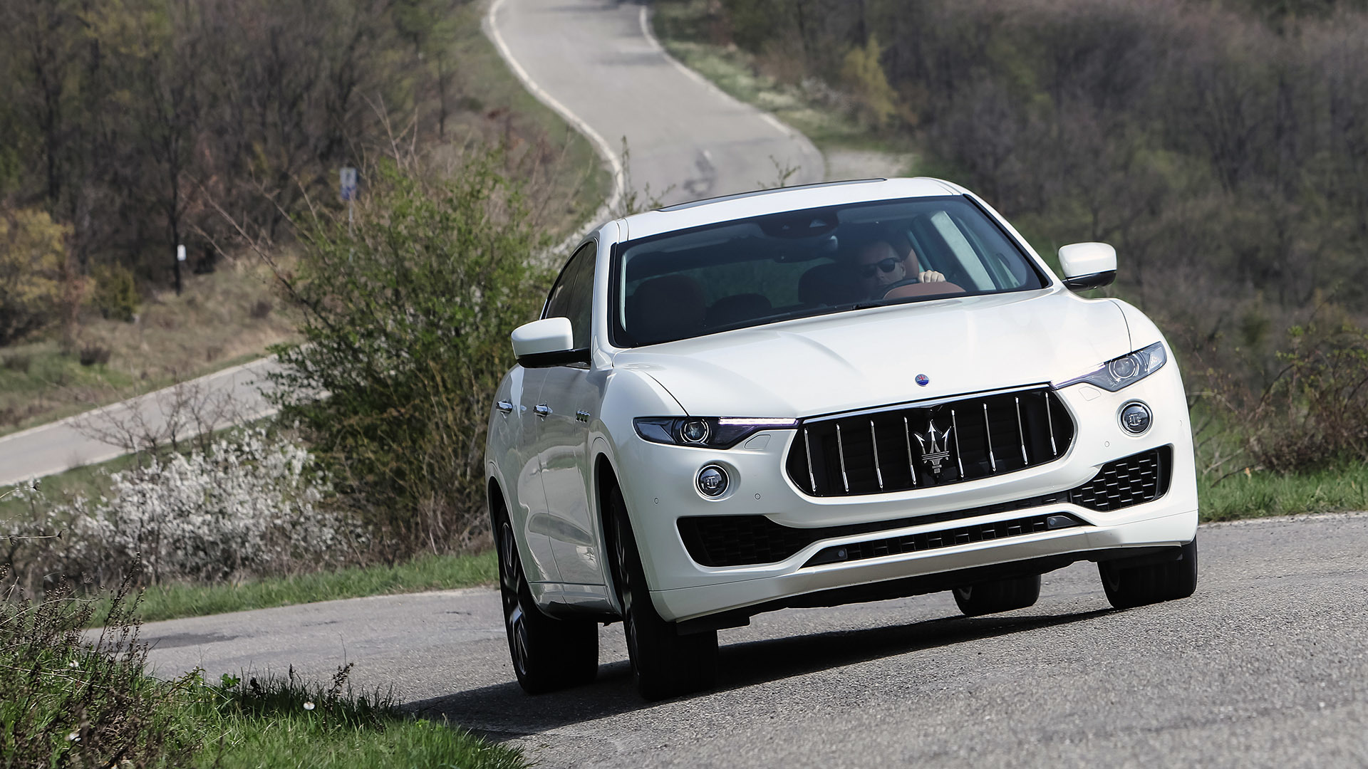 2017 Maserati Levante (Photo 8 of 37)