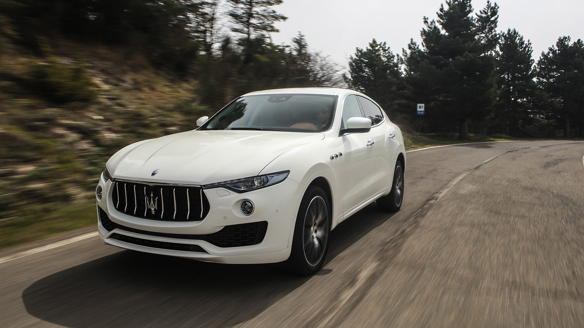 2017 Maserati Levante (Photo 9 of 37)