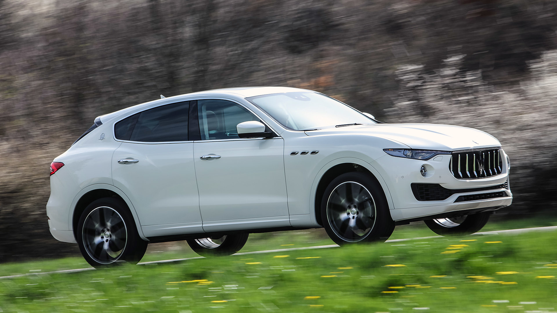 2017 Maserati Levante (Photo 1 of 37)