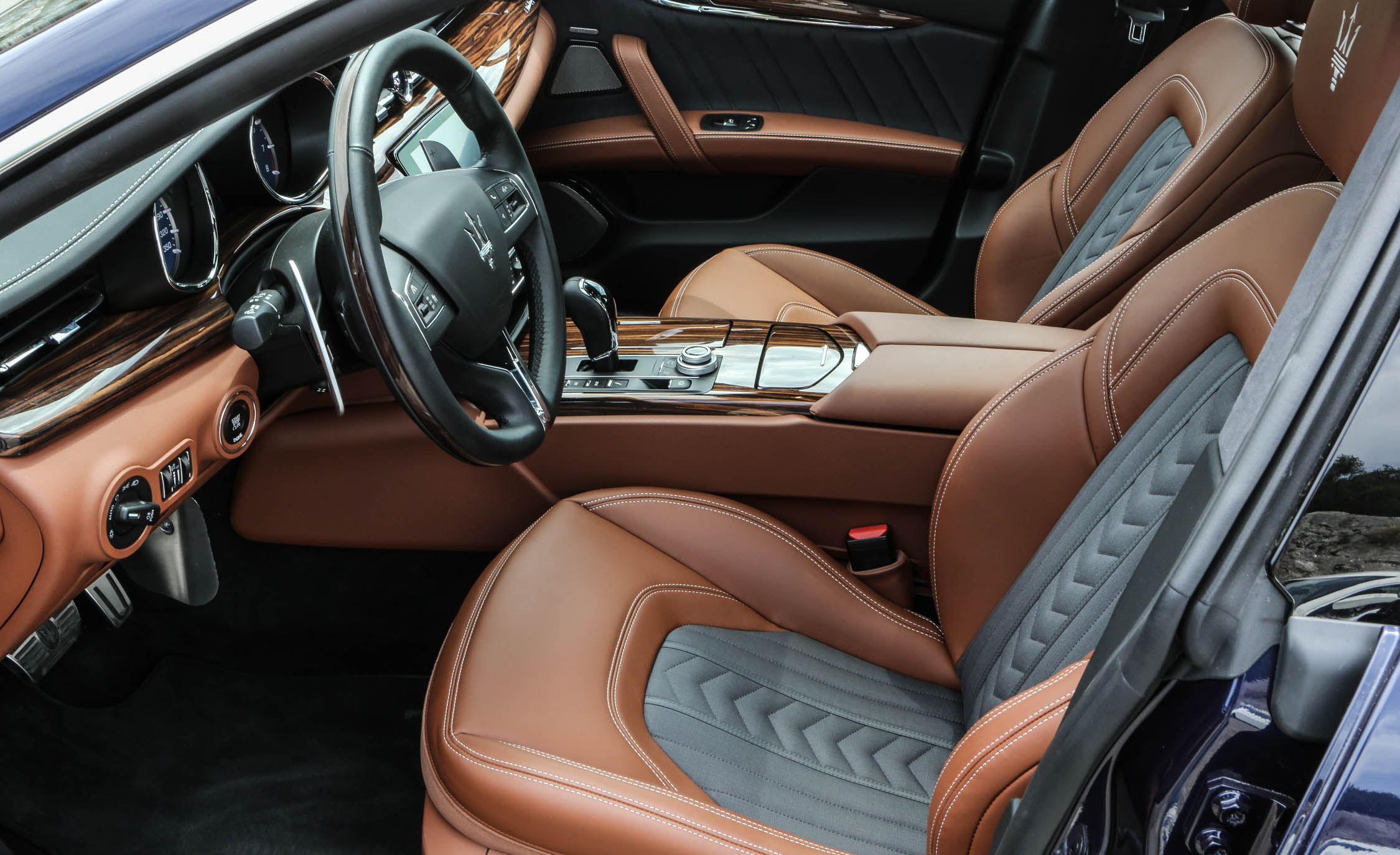 2017 Maserati Quattroporte GTS GranLusso (View 22 of 55)