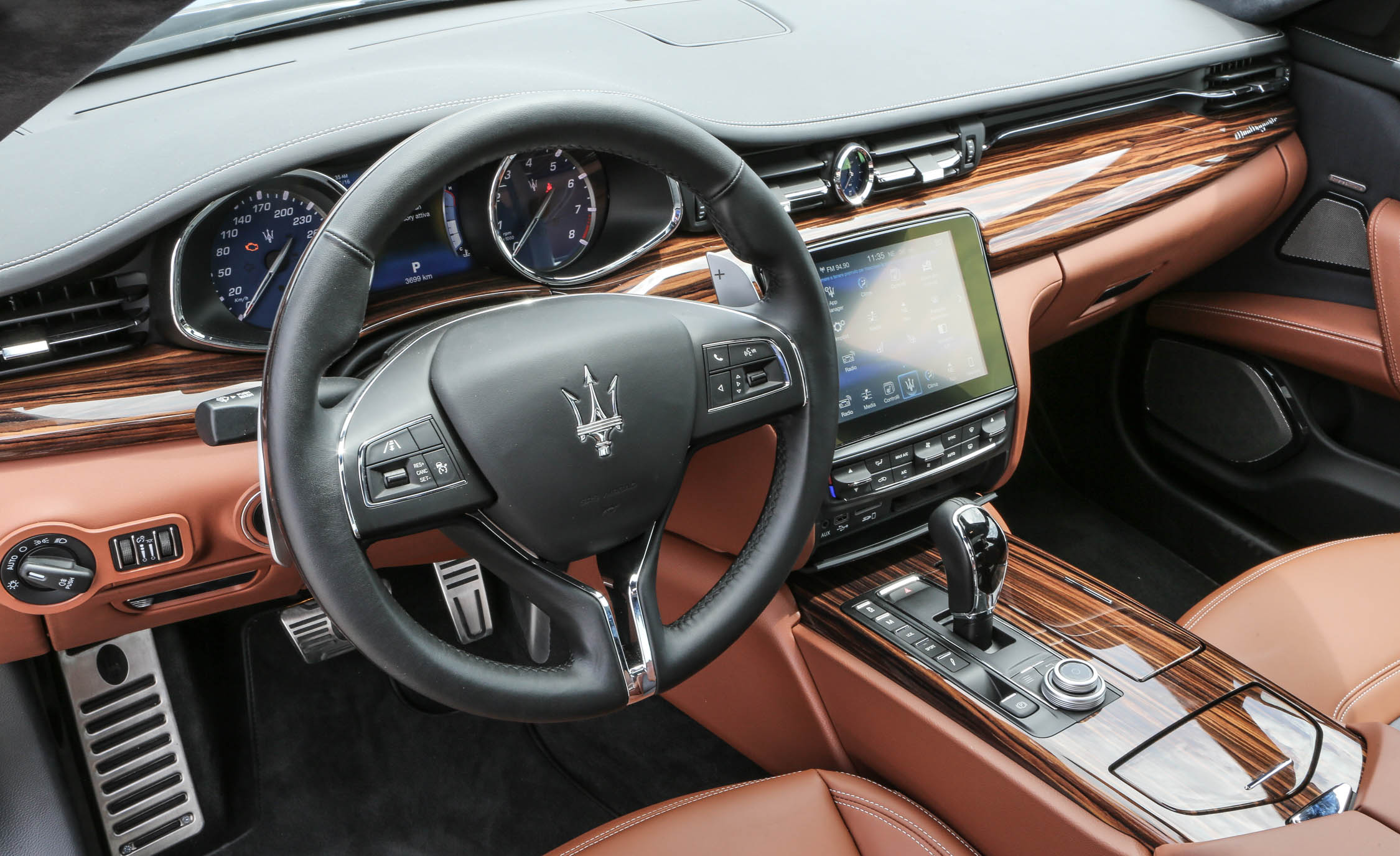 2017 Maserati Quattroporte GTS GranLusso (View 23 of 55)