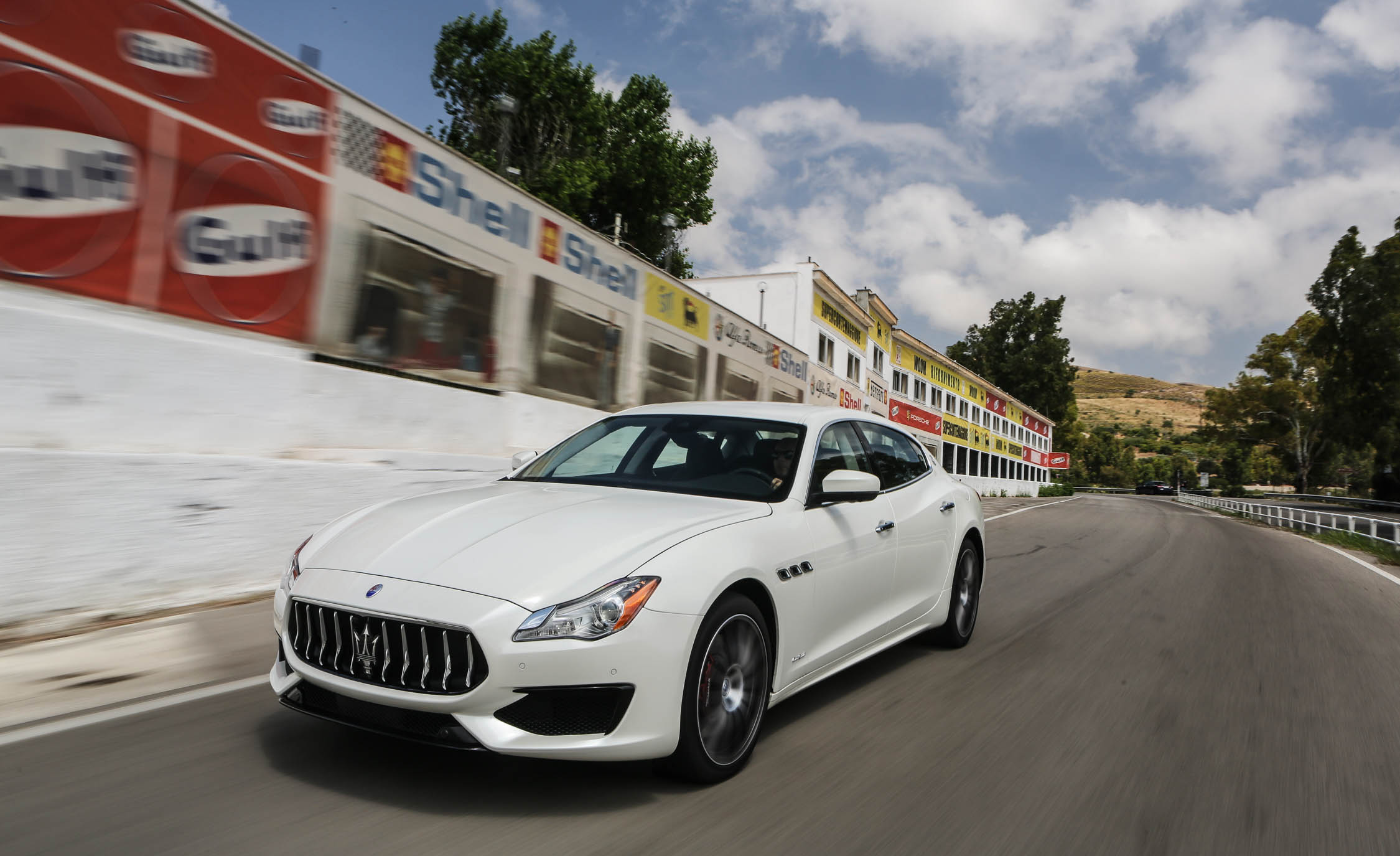 2017 Maserati Quattroporte GTS GranSport (Photo 53 of 55)