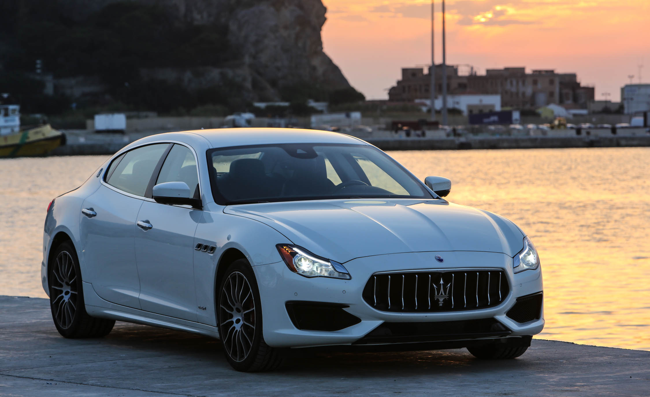 2017 Maserati Quattroporte GTS GranSport (Photo 44 of 55)