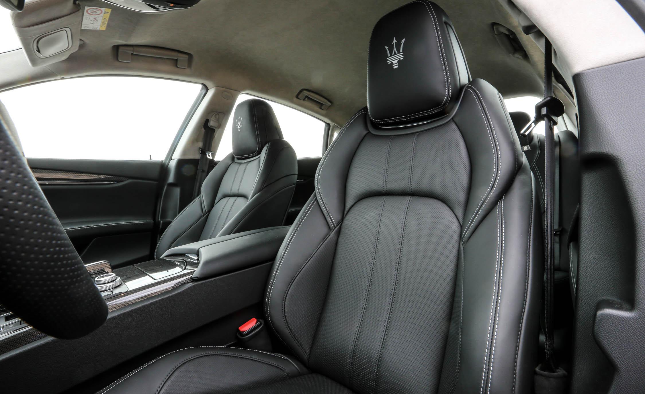 2017 Maserati Quattroporte GTS GranSport (Photo 32 of 55)