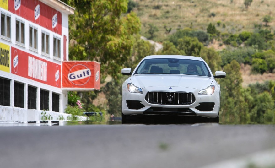 2017 Maserati Quattroporte Gts Gransport Test Drive Front Preview (Photo 55 of 55)