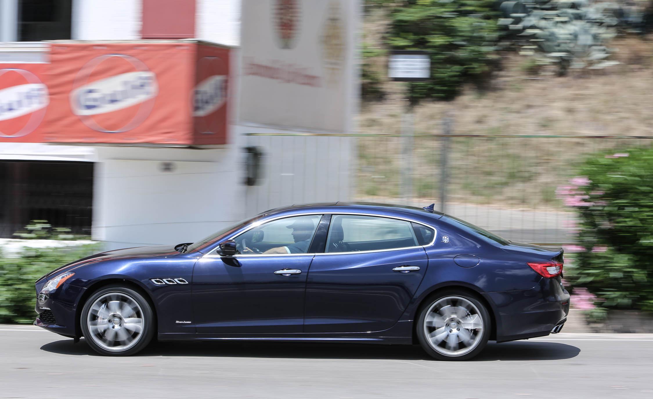 2017 Maserati Quattroporte GTS GranLusso (View 11 of 55)