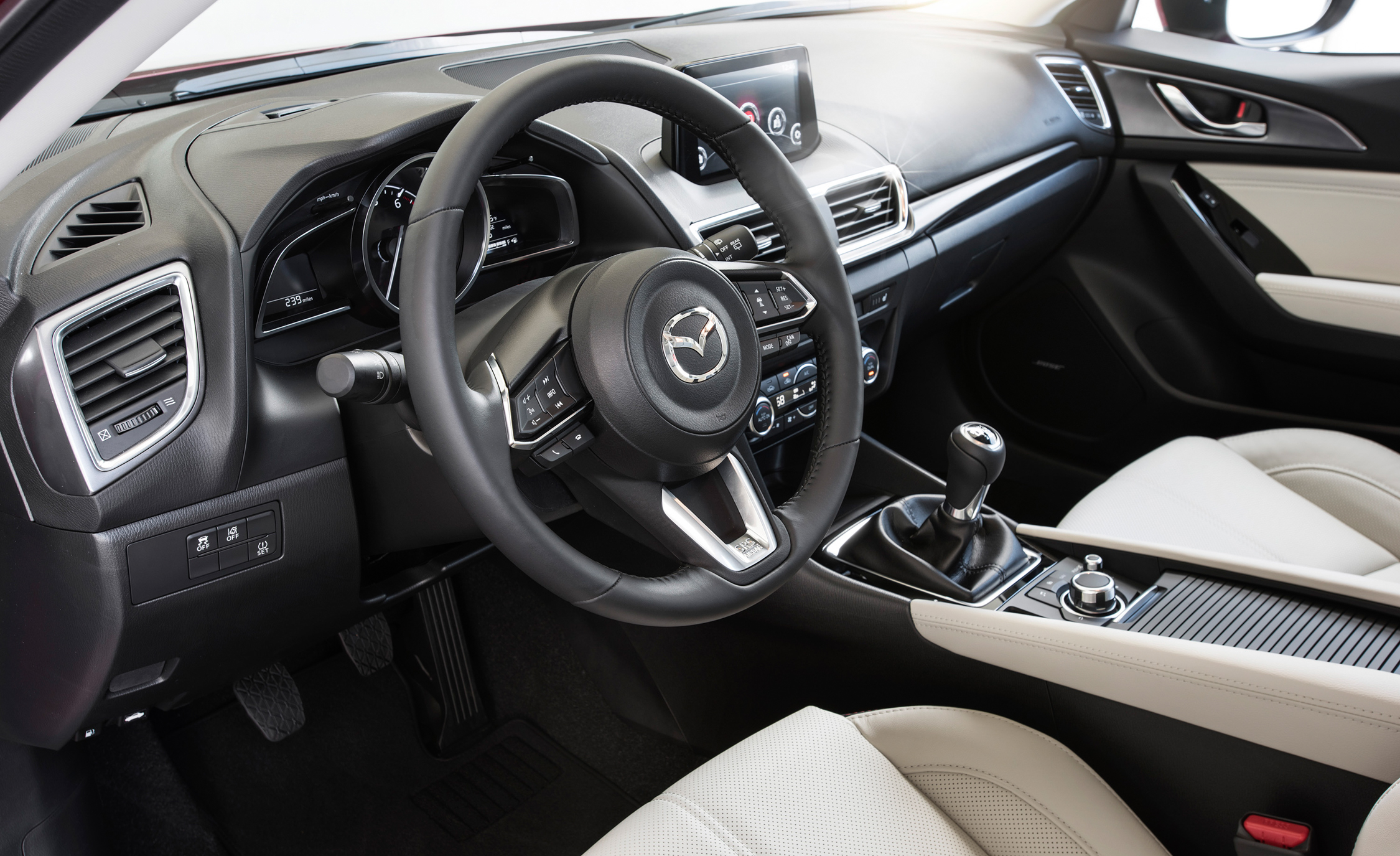 2017 Mazda  (Photo 4 of 40)