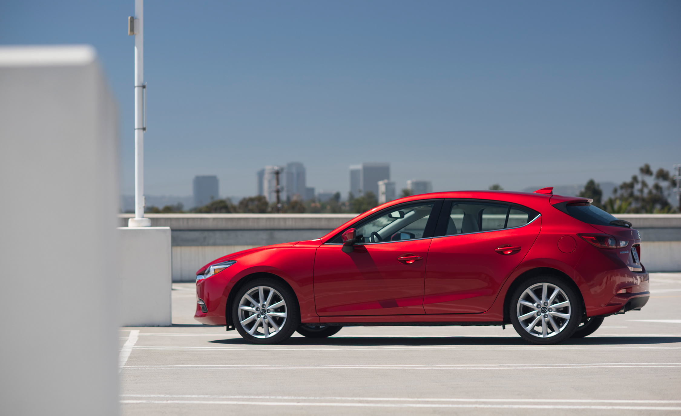 2017 Mazda (View 6 of 40)