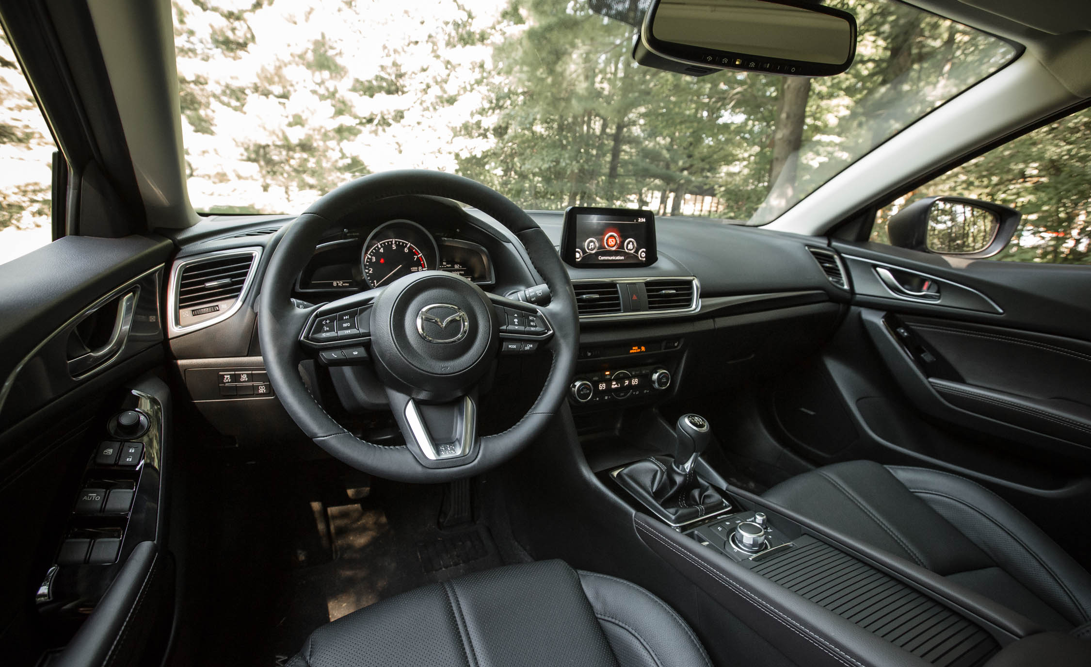 2017 Mazda3 Hatchback Interior Cockpit And Dash (Photo 31 of 40)